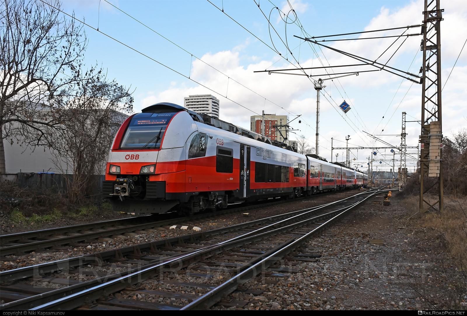 Siemens Desiro ML - 4744 024 operated by Österreichische Bundesbahnen #cityjet #desiro #desiroml #obb #obbcityjet #osterreichischebundesbahnen #siemens #siemensdesiro #siemensdesiroml