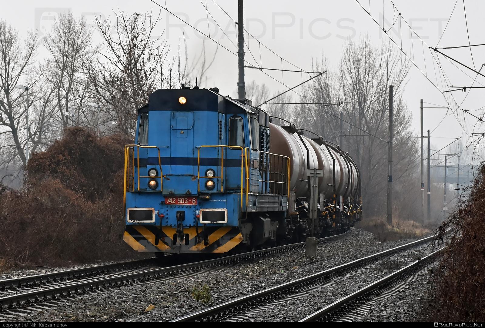 ČKD T 466.2 (742) - 742 503-6 operated by LOKORAIL, a.s. #OstravskaDopravniSpolecnostCargo #ckd #ckd4662 #ckd742 #ckdt4662 #kesselwagen #lokorail #lrl #odc #tankwagon
