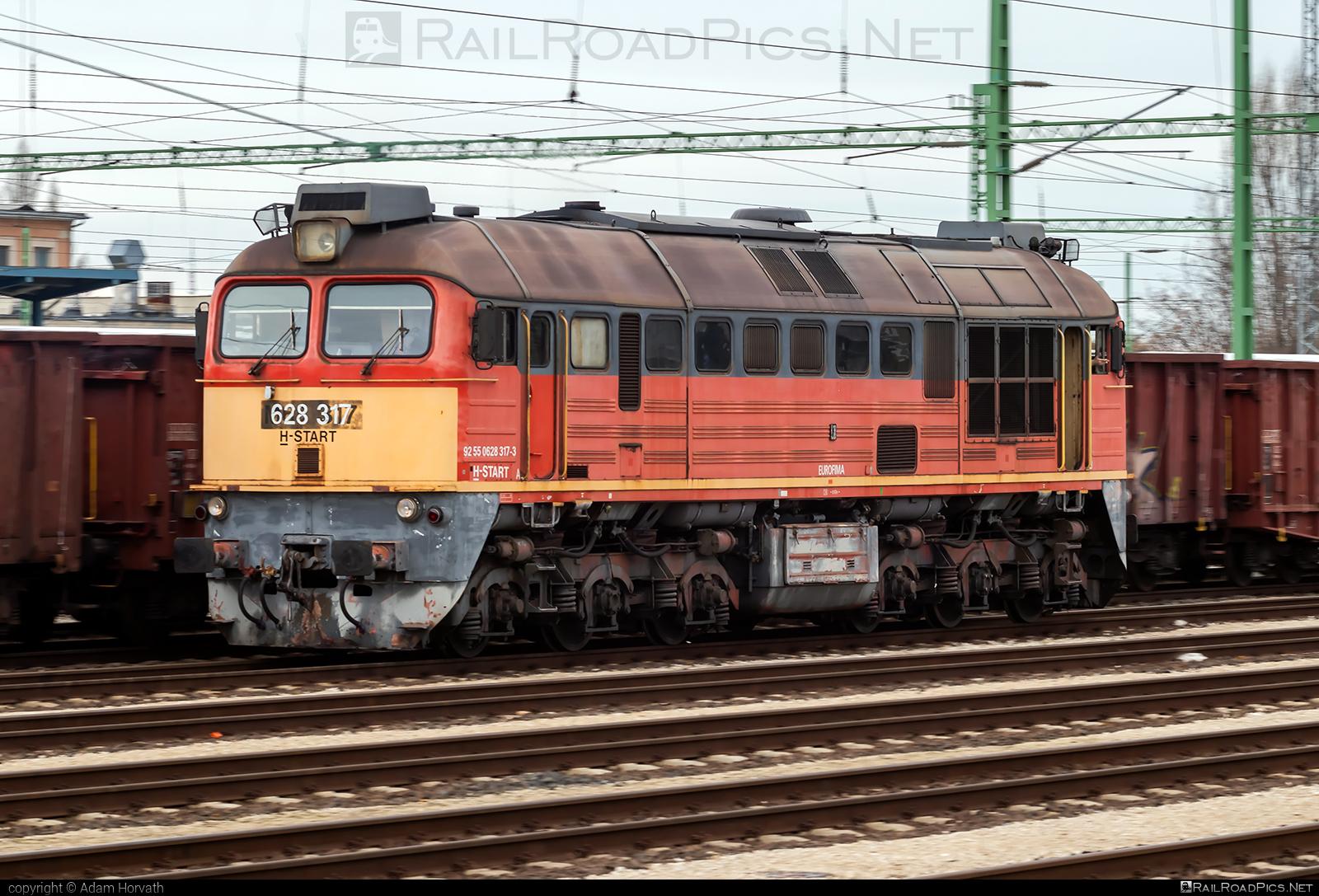 Lugansk M62 - 628 317 operated by MÁV-START ZRt. #locomotivem62 #ltz #ltzm62 #lugansk #luganskteplovoz #luhansklocomotiveworks #luhanskm62 #luhanskteplovoz #m62 #m62locomotive #mav #mavstart #mavstartzrt