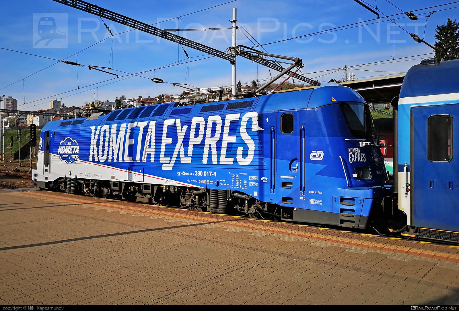 Škoda 109E1 Emil Zátopek - 380 017-4 operated by České dráhy, a.s. #ceskedrahy #emilzatopeklocomotive #kometaexpres #locomotive380 #skoda #skoda109e #skoda109elocomotive