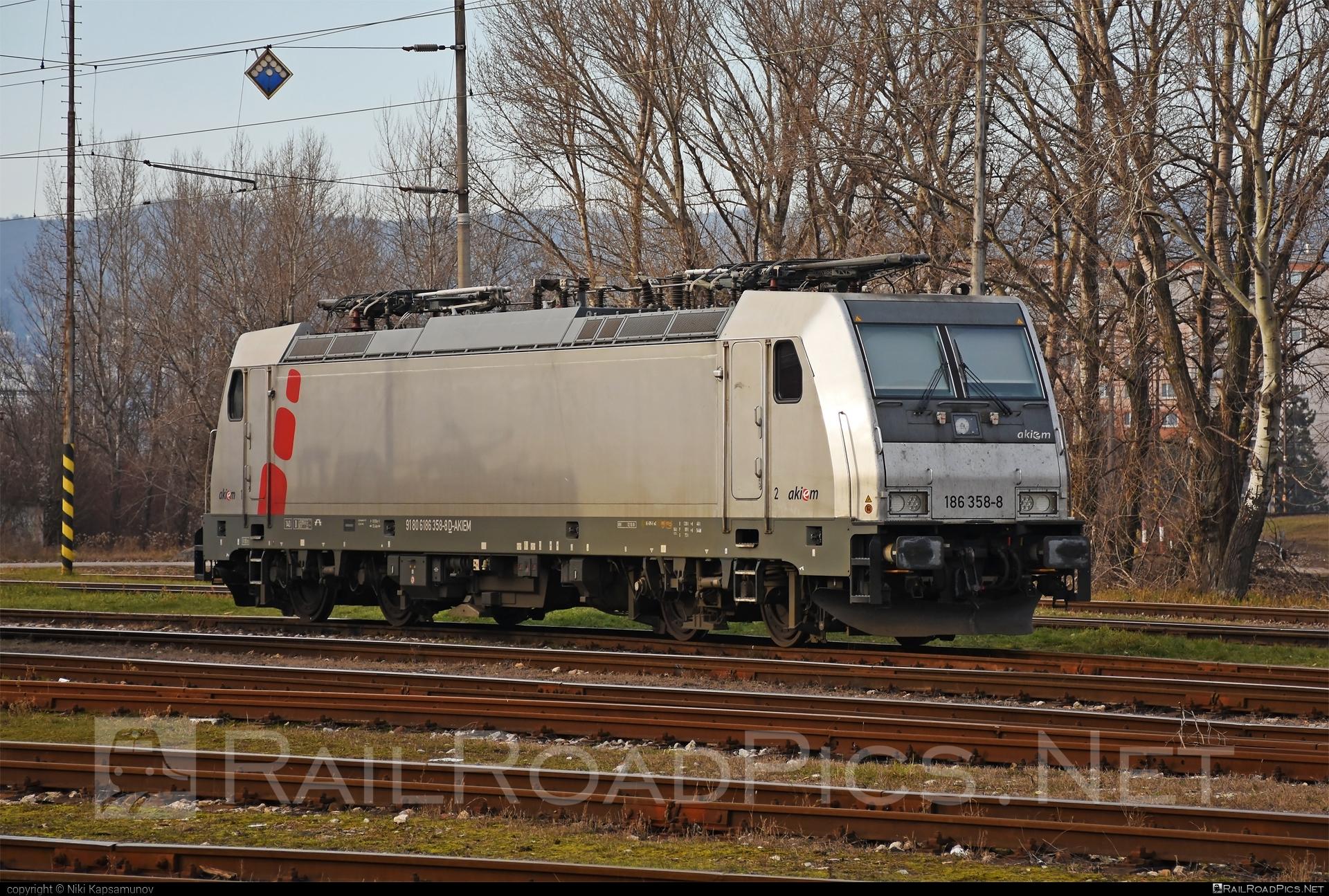 Bombardier TRAXX F140 MS - 186 358-8 operated by Prvá Slovenská železničná, a.s. #akiem #akiemsas #bombardier #bombardiertraxx #prvaslovenskazeleznicna #prvaslovenskazeleznicnaas #psz #traxx #traxxf140 #traxxf140ms