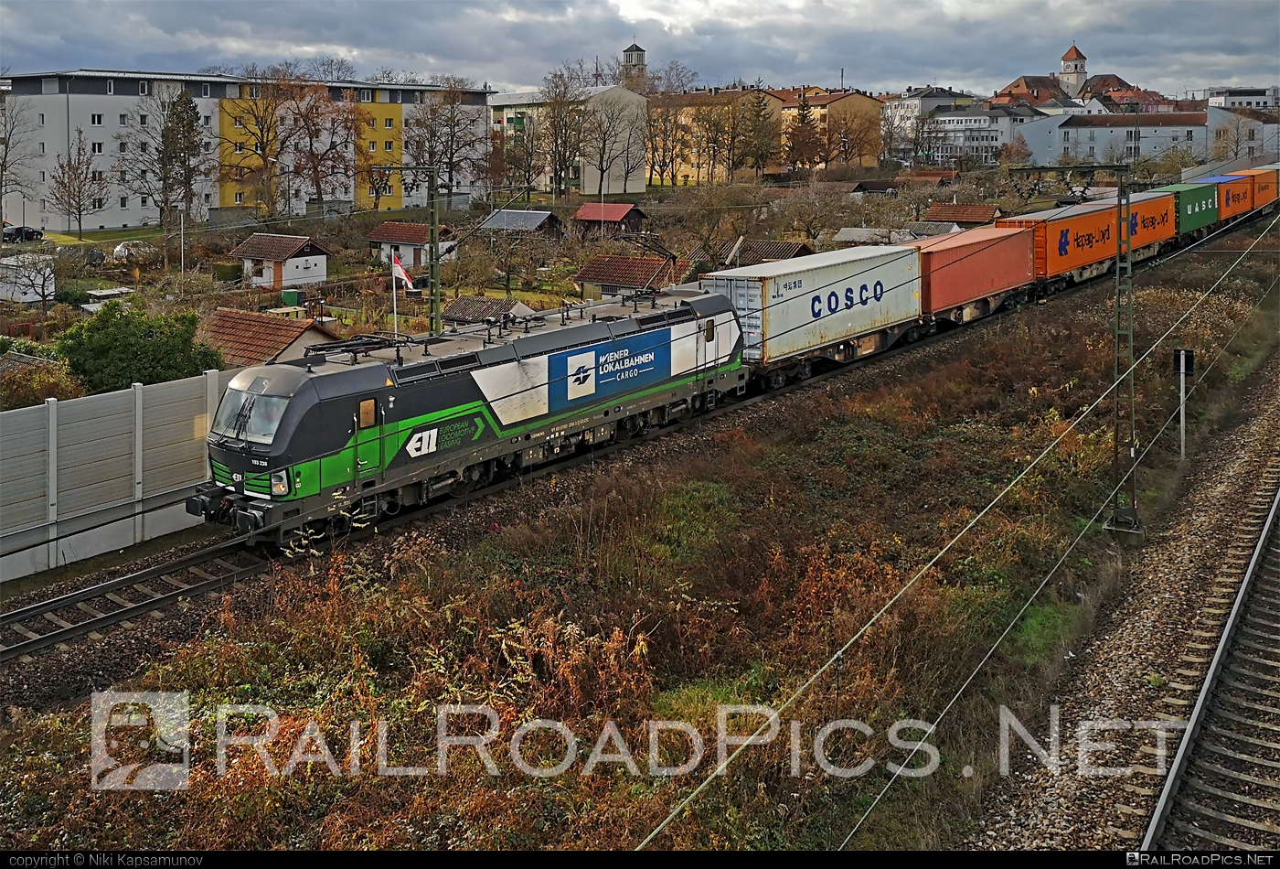 Siemens Vectron AC - 193 238 operated by Wiener Lokalbahnen Cargo GmbH #ell #ellgermany #eloc #europeanlocomotiveleasing #flatwagon #siemens #siemensvectron #siemensvectronac #vectron #vectronac #wienerlokalbahnencargo #wienerlokalbahnencargogmbh #wlc
