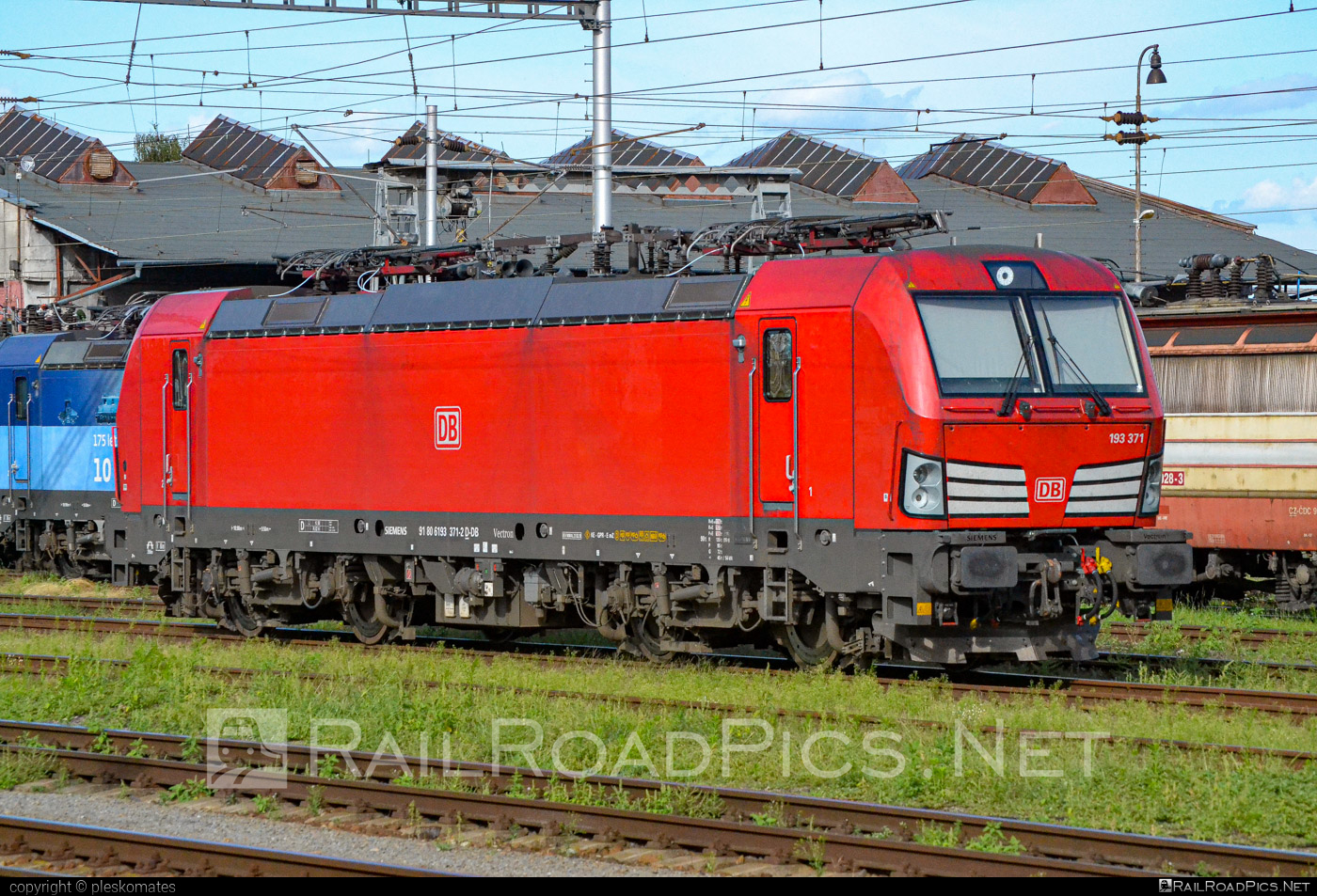Siemens Vectron MS - 193 371-2 operated by DB Cargo AG #db #dbcargo #dbcargoag #siemens #siemensvectron #siemensvectronms #vectron #vectronms