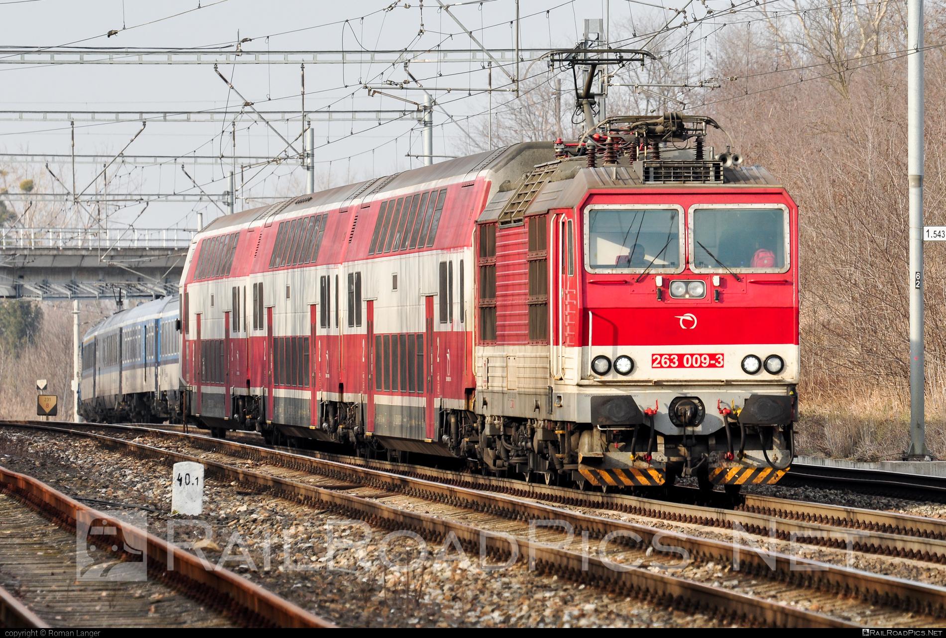 Škoda 70E - 263 009-3 operated by Železničná Spoločnost' Slovensko, a.s. #ZeleznicnaSpolocnostSlovensko #locomotive263 #princezna #skoda #skoda70e #zssk