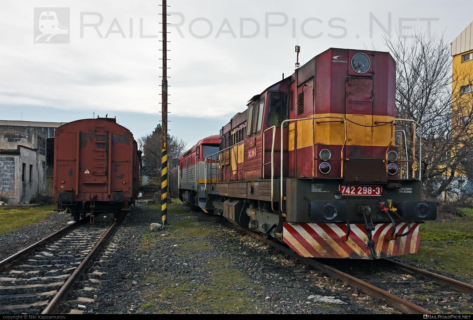 ČKD T 466.2 (742) - 742 298-3 operated by Železničná Spoločnost' Cargo Slovakia a.s. #ZeleznicnaSpolocnostCargoSlovakia #ckd #ckd4662 #ckd742 #ckdt4662 #zsskcargo