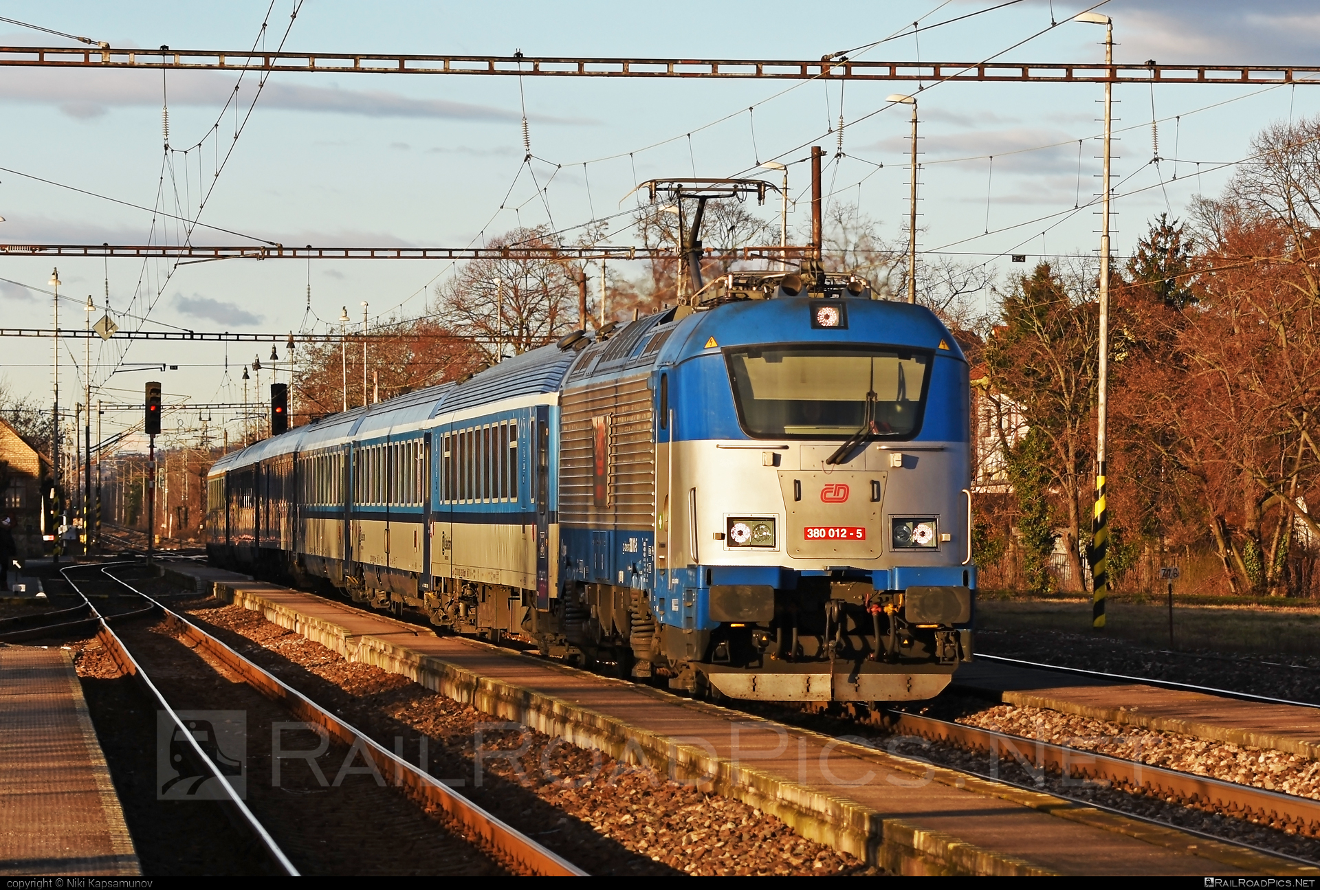 Škoda 109E1 Emil Zátopek - 380 012-5 operated by České dráhy, a.s. #ceskedrahy #emilzatopeklocomotive #locomotive380 #skoda #skoda109e #skoda109elocomotive