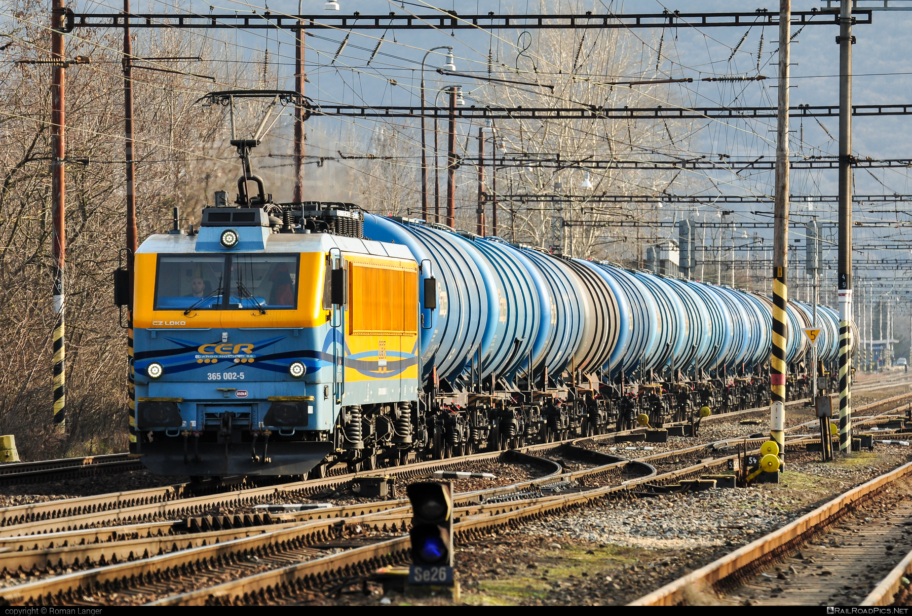 CZ LOKO EffiLiner 3000 - 365 002-5 operated by CER Slovakia a.s. #belgicanka #cer #cersk #cerslovakia #cerslovakiaas #czloko #czlokoas #effiliner #effiliner3000 #kesselwagen #sncb12 #sncbclass12 #tankwagon