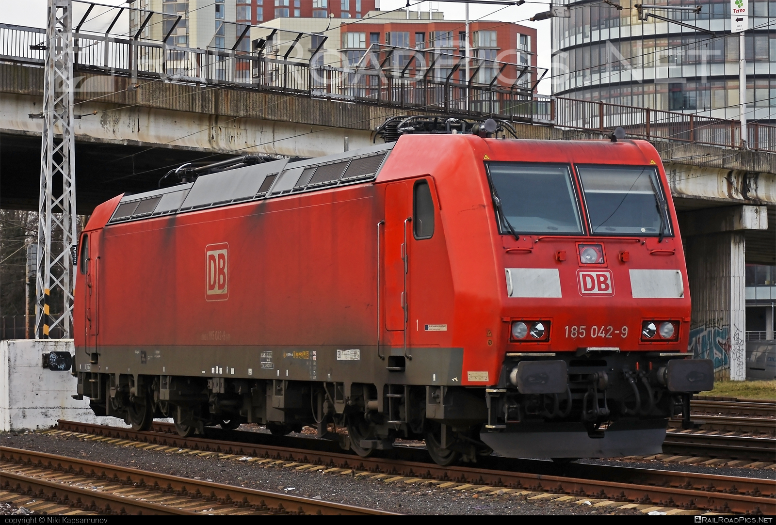 Bombardier TRAXX F140 AC1 - 185 042-9 operated by DB Cargo AG #bombardier #bombardiertraxx #db #dbcargo #dbcargoag #deutschebahn #traxx #traxxf140 #traxxf140ac #traxxf140ac1