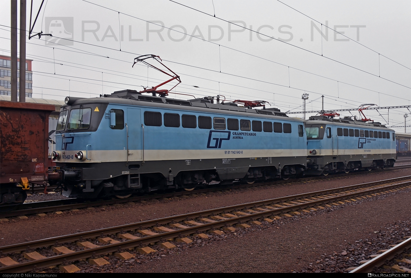 SGP ÖBB Class 1142 - 1142 642-8 operated by Grampetcargo Austria #GrampetcargoAustria #grampetcargo #obbclass1142 #sgp #sgp1142 #simmeringgrazpauker