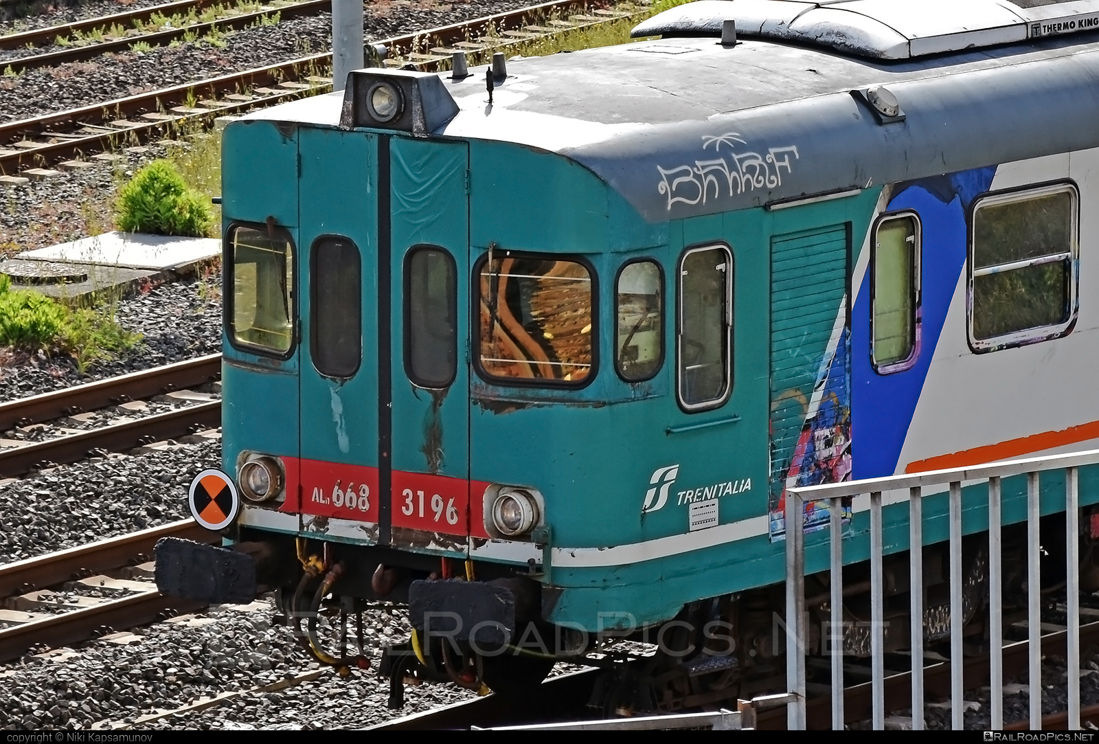 Fiat Ferroviaria ALn 668 - ALn 668 3196 operated by Trenitalia S.p.A. #aln668 #ferroviedellostato #fiataln668 #fiatferroviaria #fiatferroviariaaln668 #fs #fsitaliane #trenitalia #trenitaliaspa