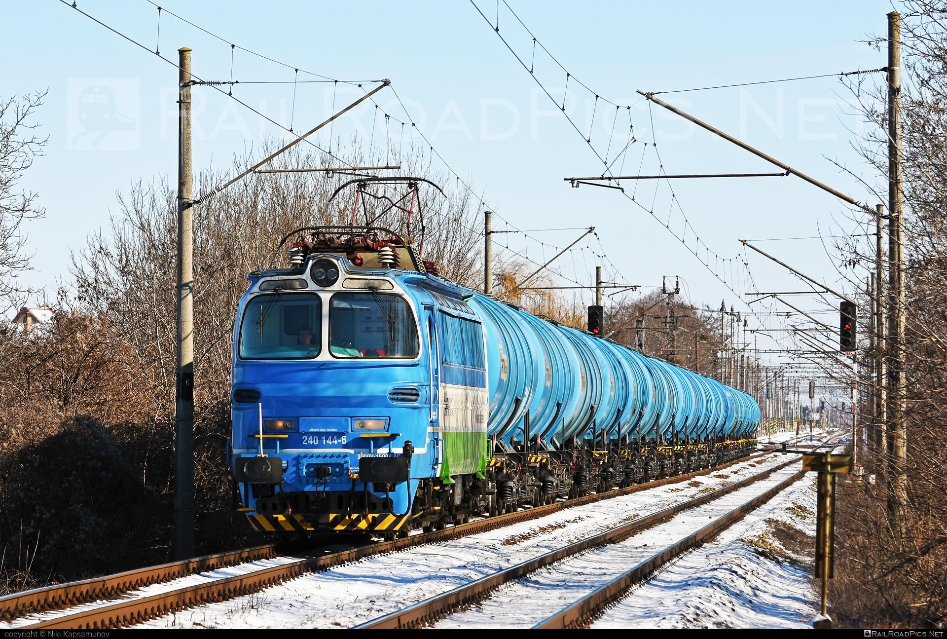 Škoda 47E - 240 144-6 operated by Railtrans International, s.r.o #RailtransInternational #kesselwagen #laminatka #locomotive240 #rti #skoda #skoda47e #tankwagon
