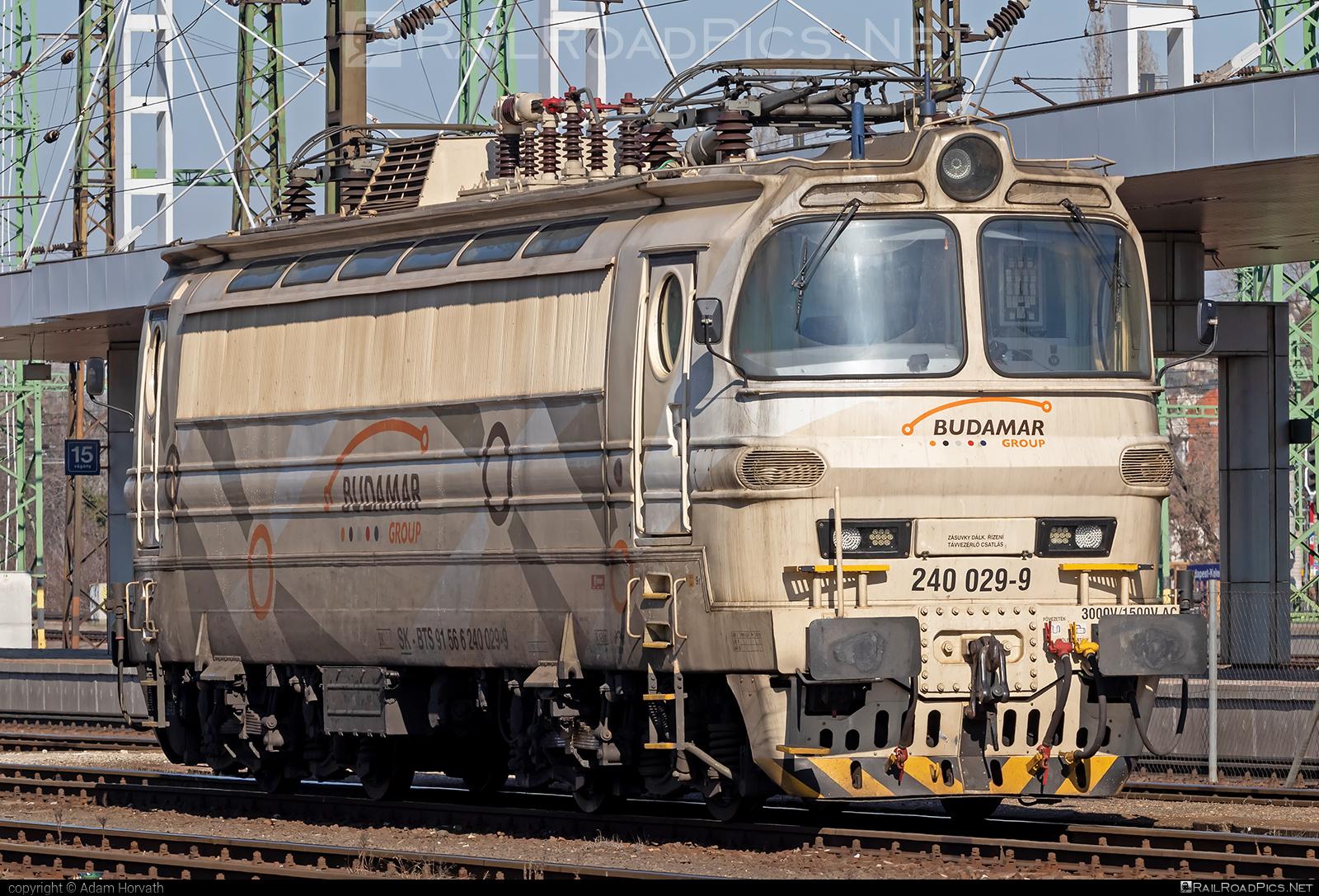 Škoda 47E - 240 029-9 operated by LOKORAIL, a.s. #BulkTransshipmentSlovakia #bts #budamar #laminatka #locomotive240 #lokorail #lrl #skoda #skoda47e