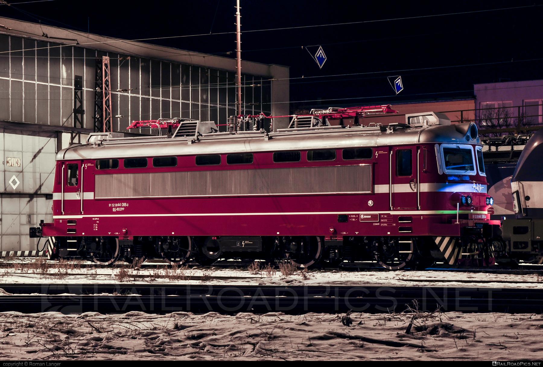 Škoda 68E - 044 088-0 operated by BDŽ Putnicheski Prevozi EOOD (БДЖ -Пътнически превози ЕOOД) #BDZclass44 #BDZputnicheskiPrevozi #BDZputnicheskiPrevoziEOOD #bdz #bdzpp #plechac #skoda #skoda68E #БДЖ #БДЖПП #БДЖпътническиПревози #БДЖпътническиПревозиЕOOД