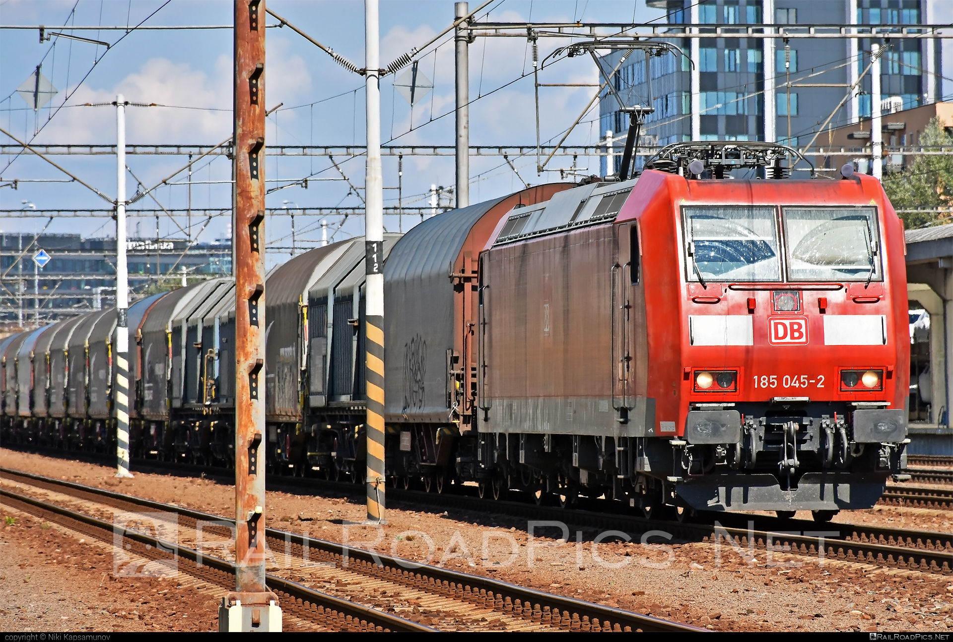 Bombardier TRAXX F140 AC1 - 185 045-2 operated by DB Cargo AG #bombardier #bombardiertraxx #db #dbcargo #dbcargoag #traxx #traxxf140 #traxxf140ac #traxxf140ac1