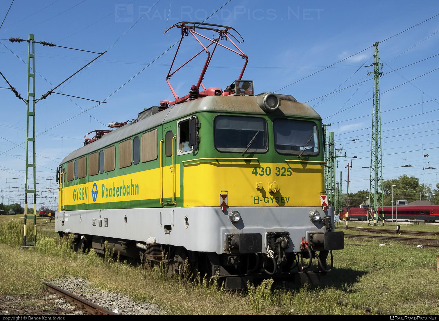 Ganz-MÁVAG VM14-23 - 430 325 operated by GYSEV - Györ-Sopron-Ebenfurti Vasut Részvénytarsasag #ganz43 #ganz431 #ganzmavag #ganzmavag43 #ganzmavag431 #ganzmavagvm1423 #gyorsopronebenfurtivasutreszvenytarsasag #gysev #raaberbahn #v43locomotive