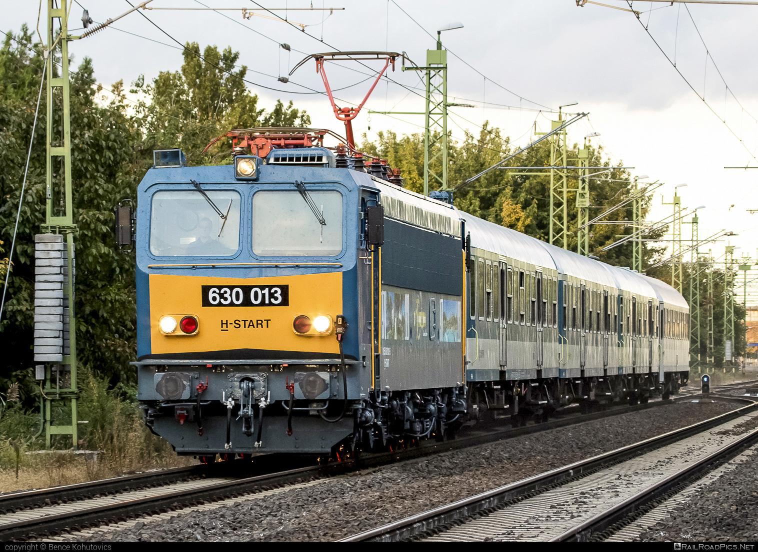 Ganz-MÁVAG VM15-3 - 630 013 operated by MÁV-START ZRt. #ganz63 #ganz630 #ganzmavag #ganzmavag63 #ganzmavag630 #ganzmavagvm153 #locomotive630 #mav #mavstart #mavstartzrt #v63locomotive