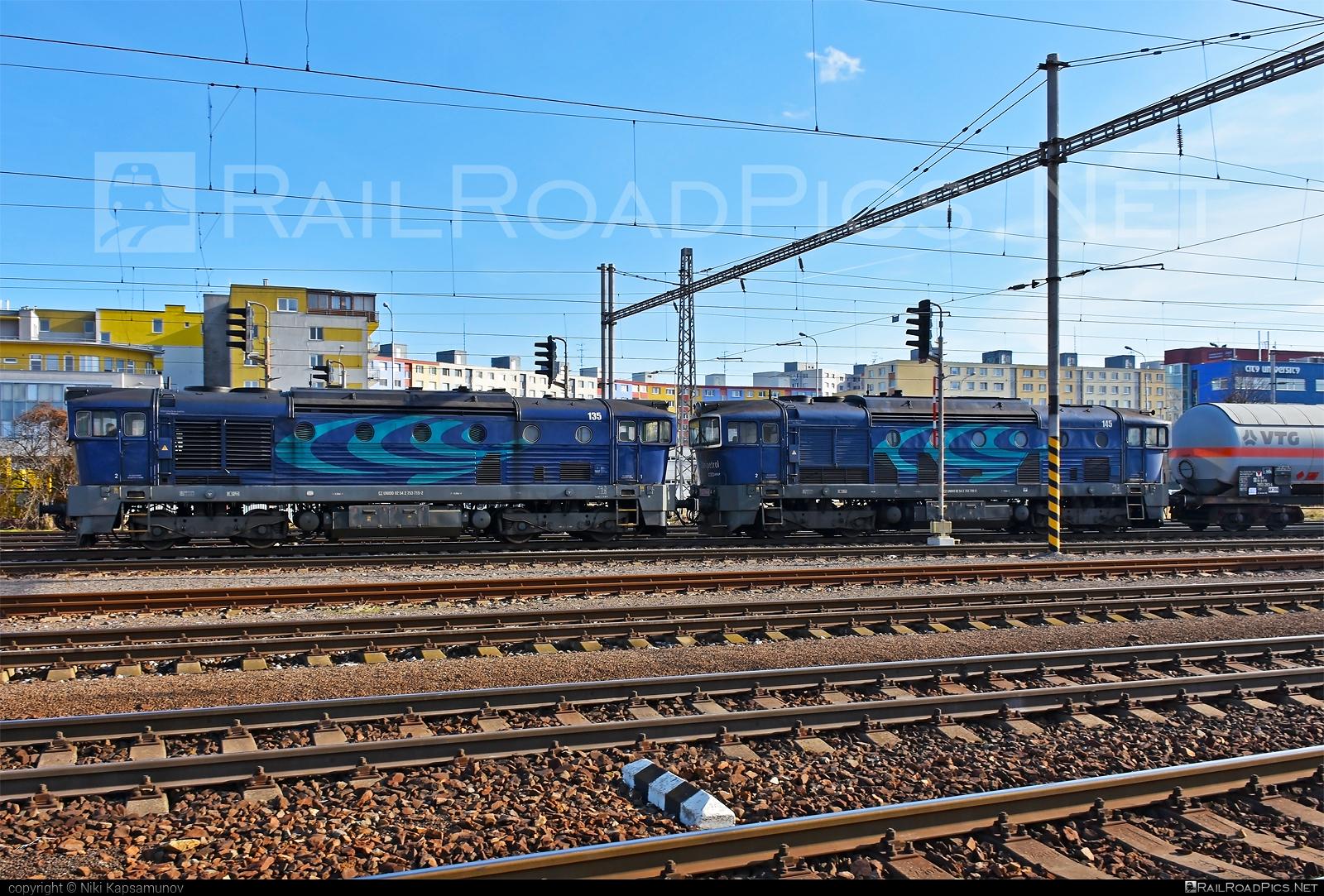 ČKD T 478.3 (753) - 753 715-2 operated by UNIPETROL DOPRAVA, a.s. #brejlovec #ckd #ckdclass753 #ckdt4783 #locomotive753 #okuliarnik #unido #unipetrol
