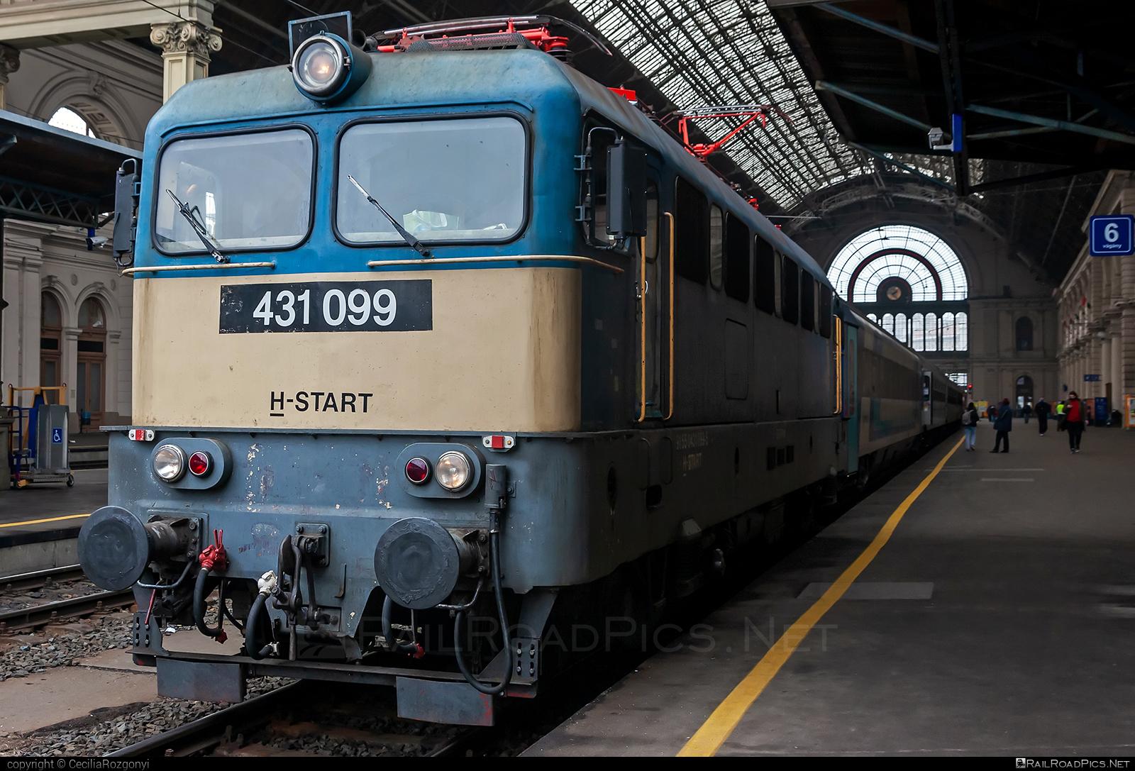 Ganz-MÁVAG VM14-10 - 431 099 operated by MÁV-START ZRt. #ganz43 #ganz431 #ganzmavag #ganzmavag43 #ganzmavag431 #ganzmavagvm1410 #mavstart #mavstartzrt #v43locomotive