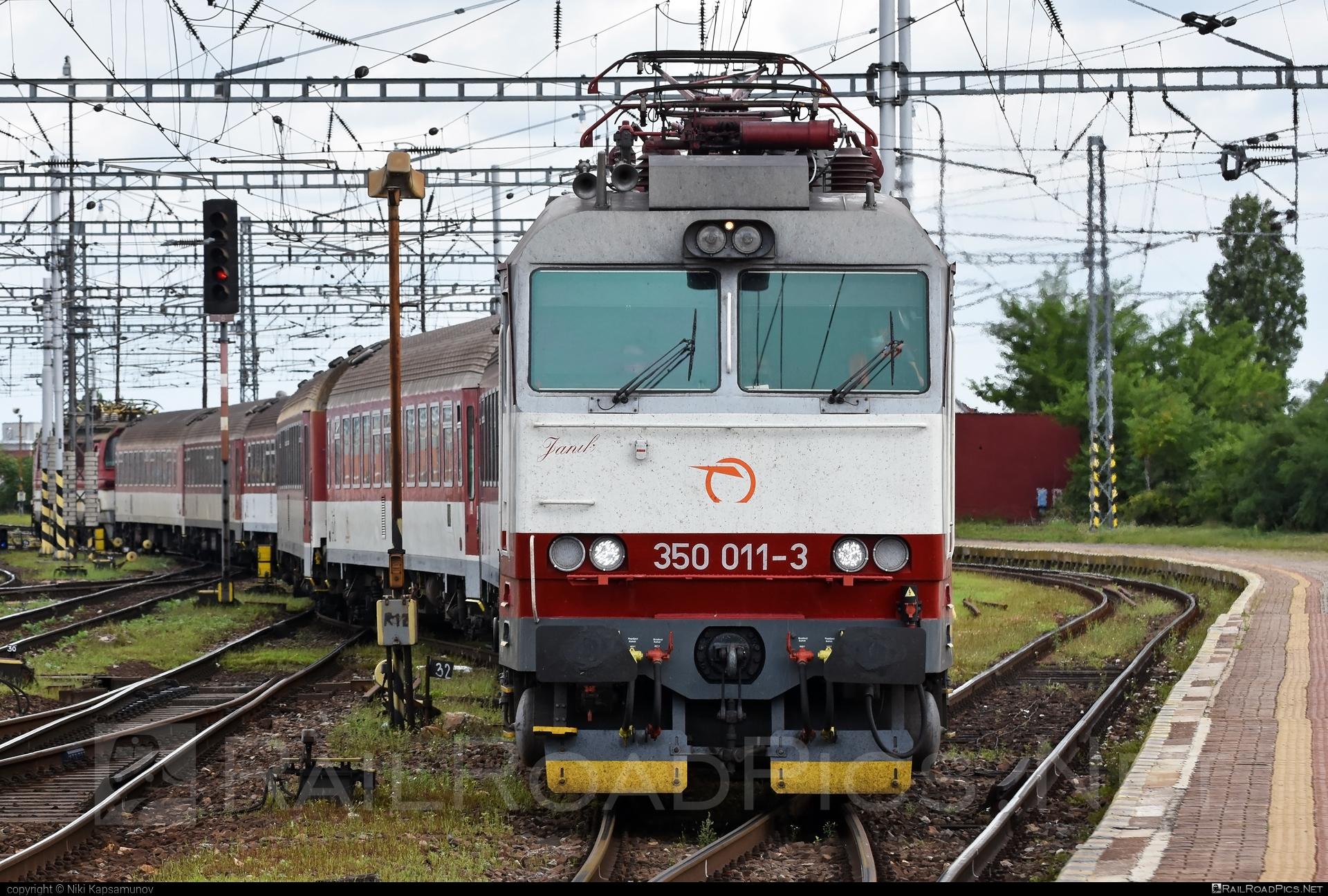 Škoda 55E - 350 011-3 operated by Železničná Spoločnost' Slovensko, a.s. #gorila #locomotive350 #skoda #skoda55e #zssk