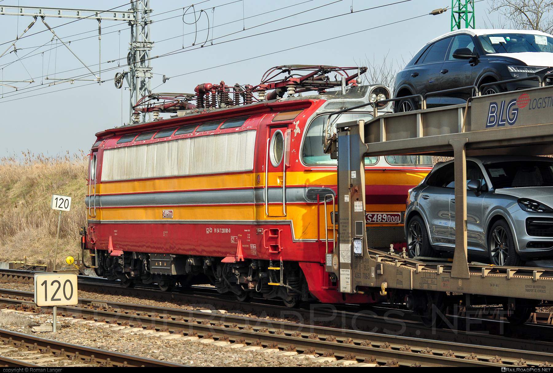 Škoda 47E - 230 001-0 operated by České dráhy, a.s. #carcarrierwagon #cartransportcarrier #ceskedrahy #laminatka #locomotive240 #skoda #skoda47e