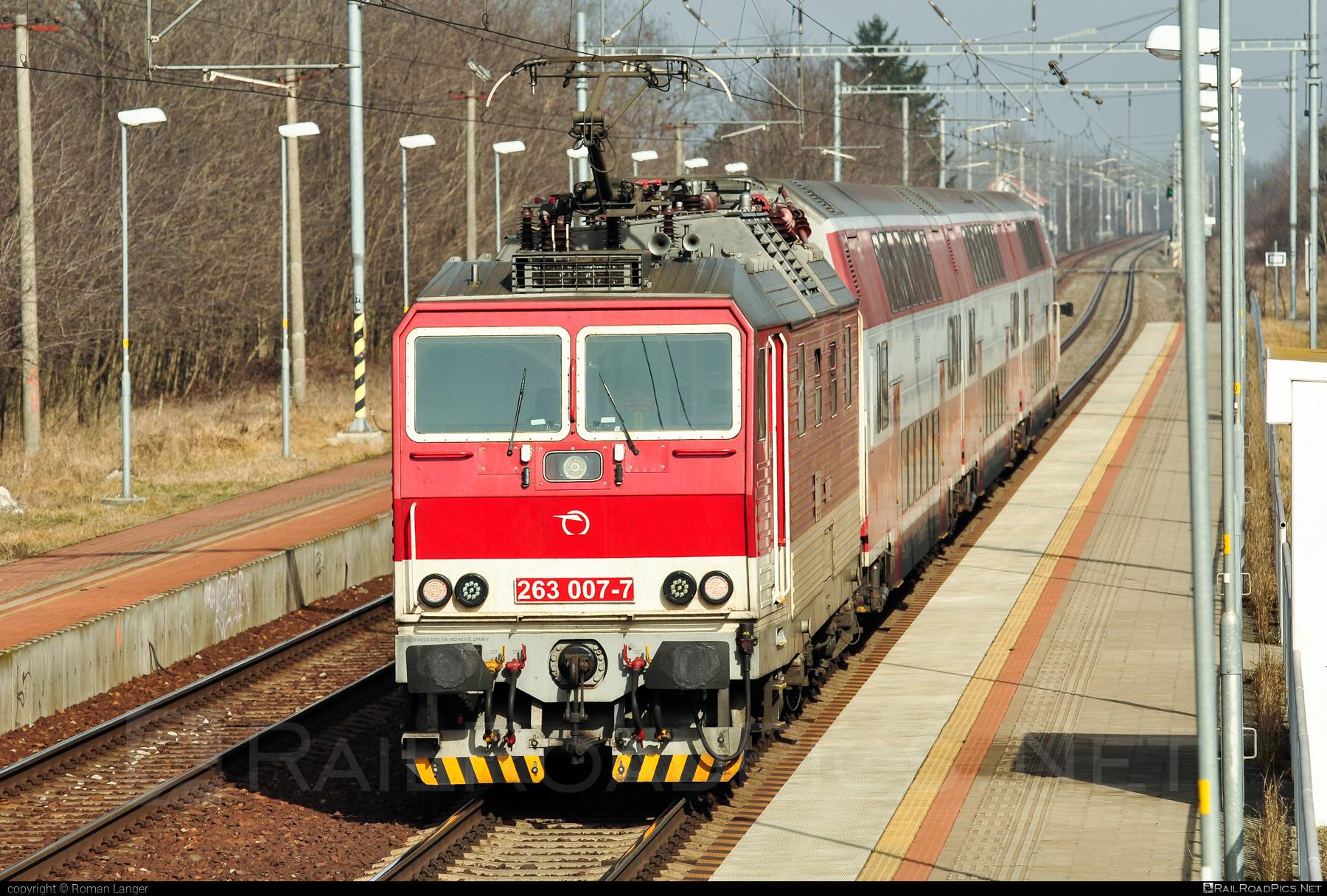 Škoda 70E - 263 007-7 operated by Železničná Spoločnost' Slovensko, a.s. #ZeleznicnaSpolocnostSlovensko #locomotive263 #princezna #skoda #skoda70e #zssk