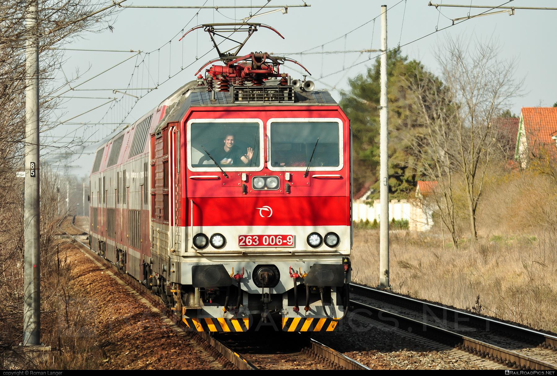 Škoda 70E - 263 006-9 operated by Železničná Spoločnost' Slovensko, a.s. #ZeleznicnaSpolocnostSlovensko #locomotive263 #princezna #skoda #skoda70e #zssk