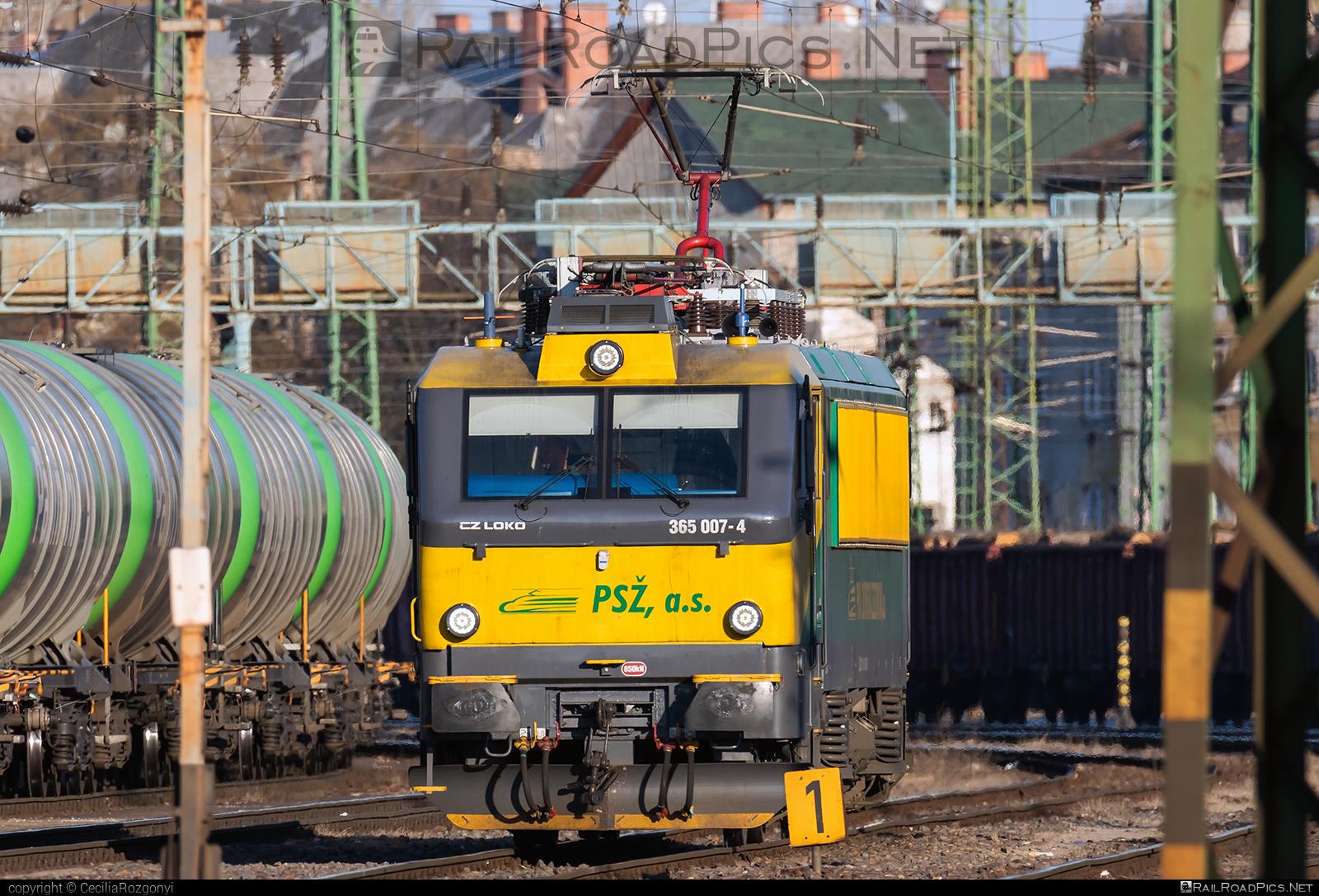CZ LOKO EffiLiner 3000 - 365 007-4 operated by Prvá Slovenská železničná, a.s. #belgicanka #czloko #czlokoas #effiliner #effiliner3000 #prvaslovenskazeleznicna #prvaslovenskazeleznicnaas #psz #sncb12 #sncbclass12