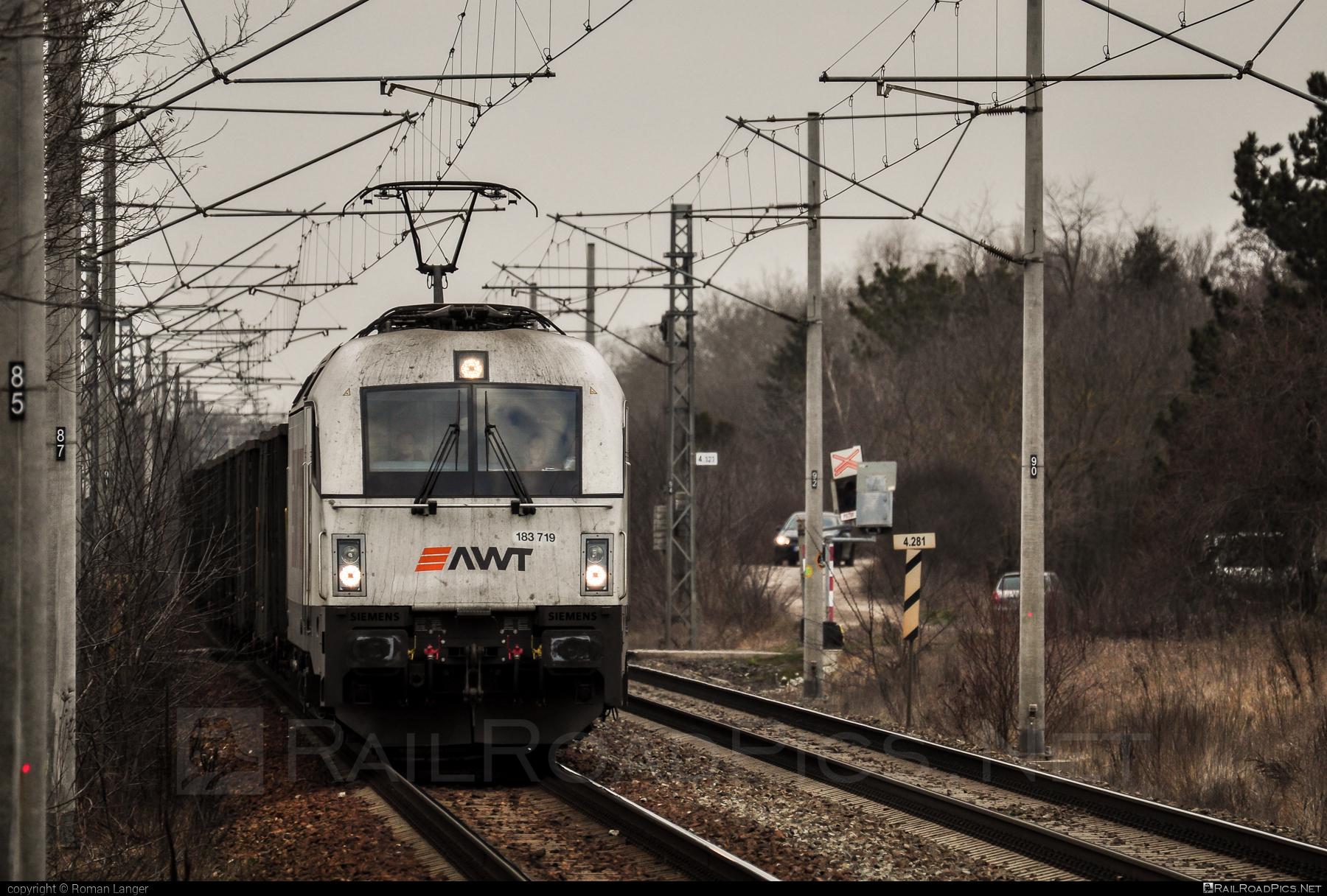 Siemens ES 64 U4 - 183 719 operated by PKP CARGO INTERNATIONAL a.s. #awt #es64 #es64u #es64u4 #eurosprinter #pkpcargointernational #pkpcargointernationalas #siemens #siemenses64 #siemenses64u #siemenses64u4 #siemenstaurus #taurus #tauruslocomotive