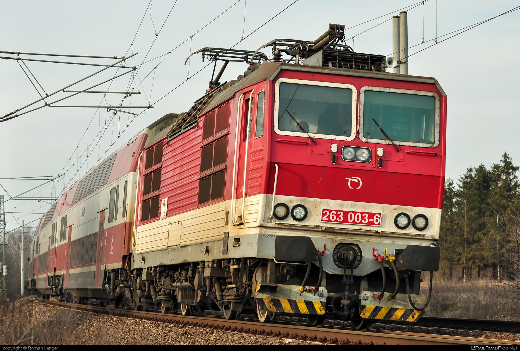 Škoda 70E - 263 003-6 operated by Železničná Spoločnost' Slovensko, a.s. #ZeleznicnaSpolocnostSlovensko #locomotive263 #princezna #skoda #skoda70e #zssk