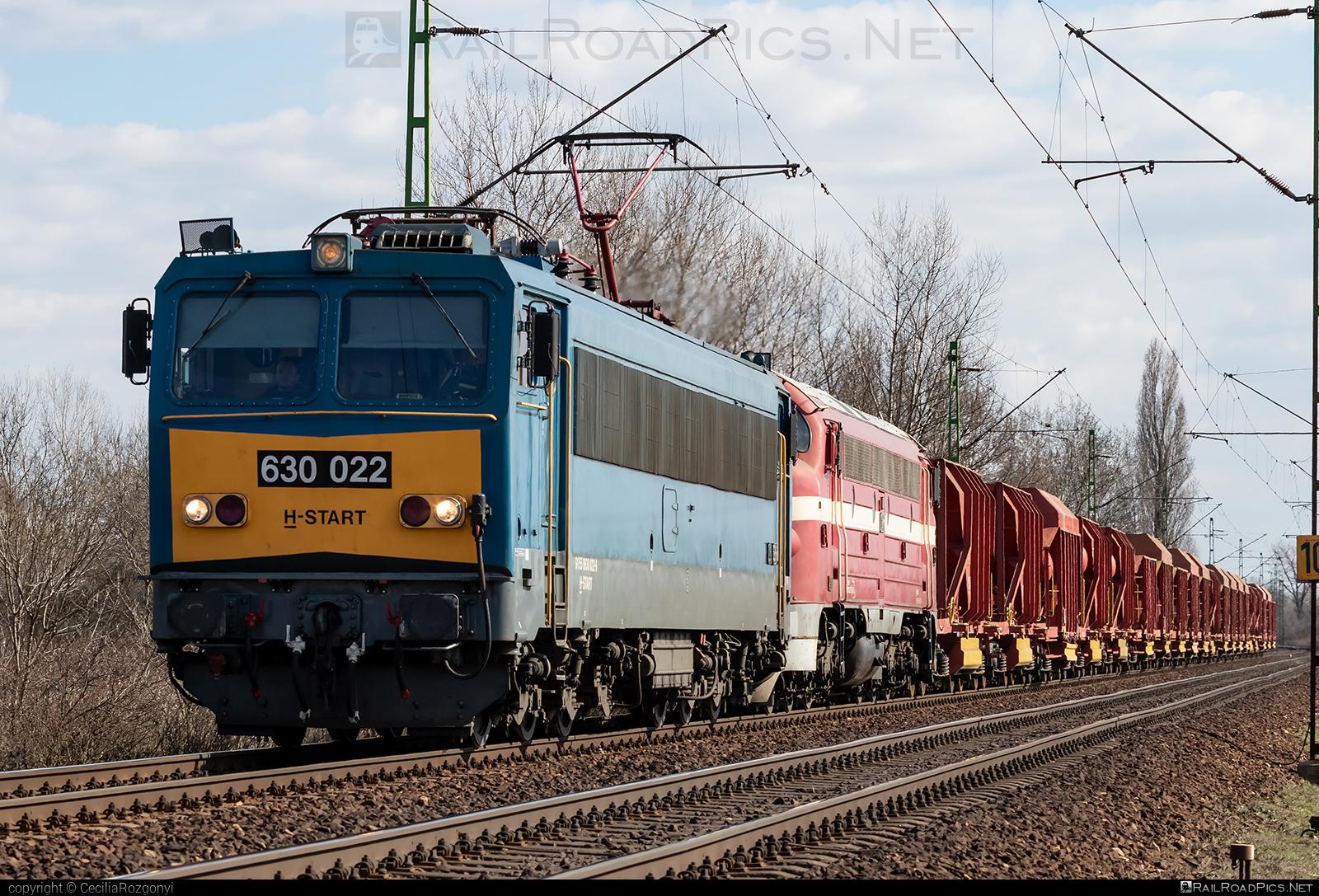 Ganz-MÁVAG VM15-3 - 630 022 operated by MÁV-START ZRt. #ganz63 #ganz630 #ganzmavag #ganzmavag63 #ganzmavag630 #ganzmavagvm153 #locomotive630 #mav #mavstart #mavstartzrt #v63locomotive