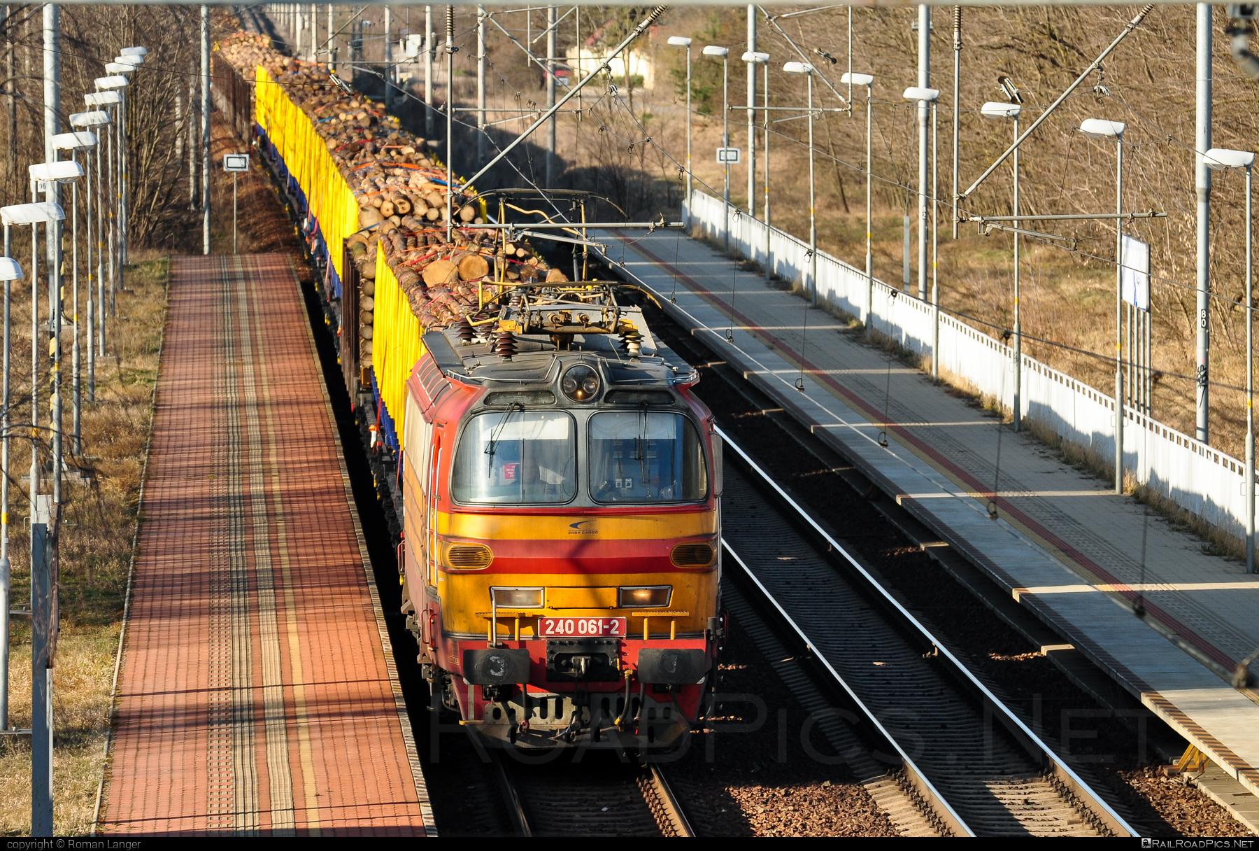 Škoda 47E - 240 061-2 operated by Železničná Spoločnost' Cargo Slovakia a.s. #ZeleznicnaSpolocnostCargoSlovakia #laminatka #locomotive240 #skoda #skoda47e #zsskcargo