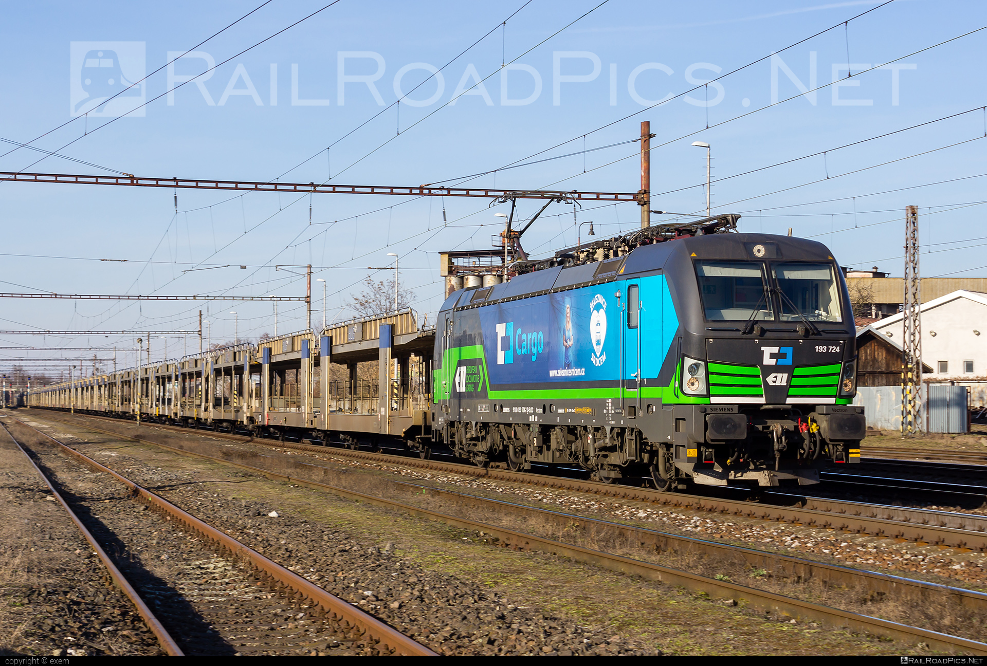Siemens Vectron MS - 193 724 operated by Železničná Spoločnost' Cargo Slovakia a.s. #ZeleznicnaSpolocnostCargoSlovakia #carcarrierwagon #cdcargo #ell #ellgermany #eloc #europeanlocomotiveleasing #siemens #siemensvectron #siemensvectronms #vectron #vectronms #zsskcargo