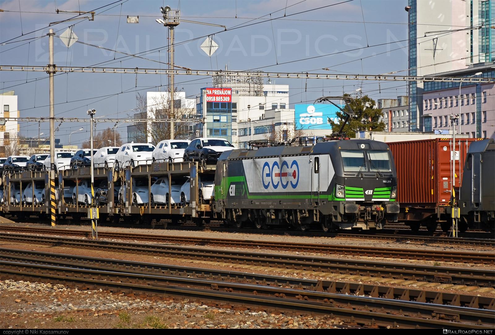 Siemens Vectron AC - 193 211 operated by ecco-rail GmbH #carcarrierwagon #eccorail #eccorailgmbh #ell #ellgermany #eloc #europeanlocomotiveleasing #siemens #siemensvectron #siemensvectronac #vectron #vectronac