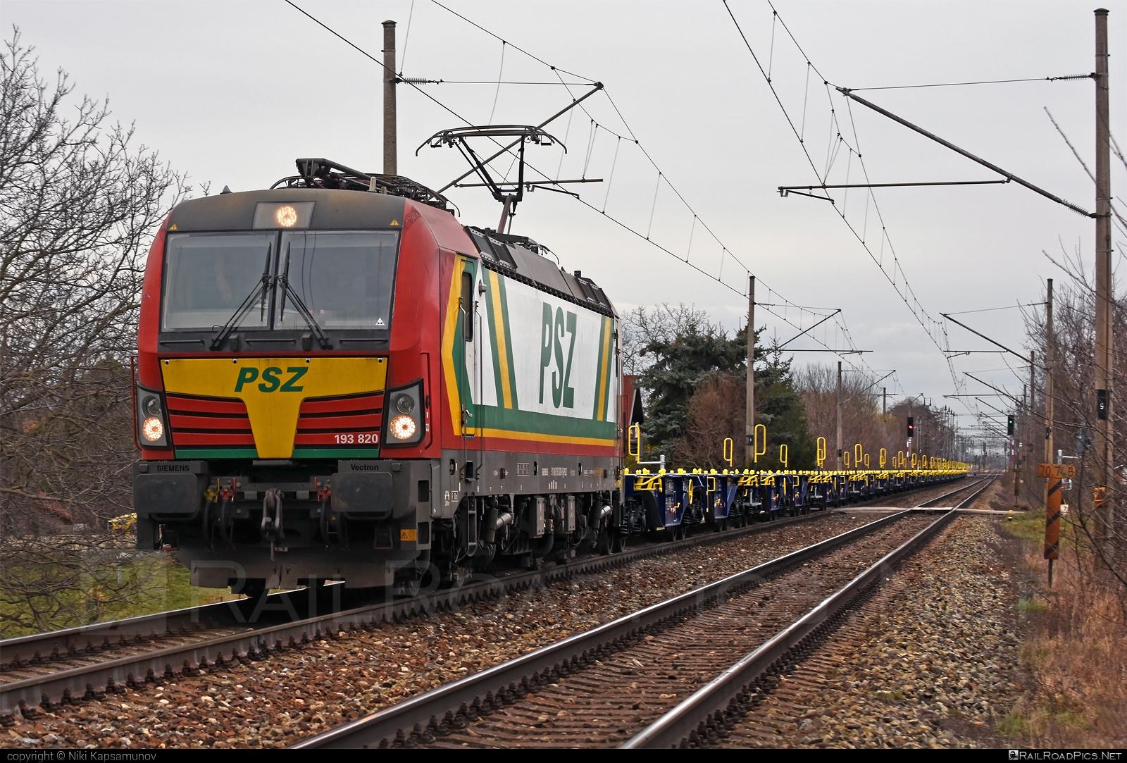 Siemens Vectron MS - 193 820 operated by Prvá Slovenská železničná, a.s. #flatwagon #prvaslovenskazeleznicna #prvaslovenskazeleznicnaas #psz #siemens #siemensvectron #siemensvectronms #vectron #vectronms