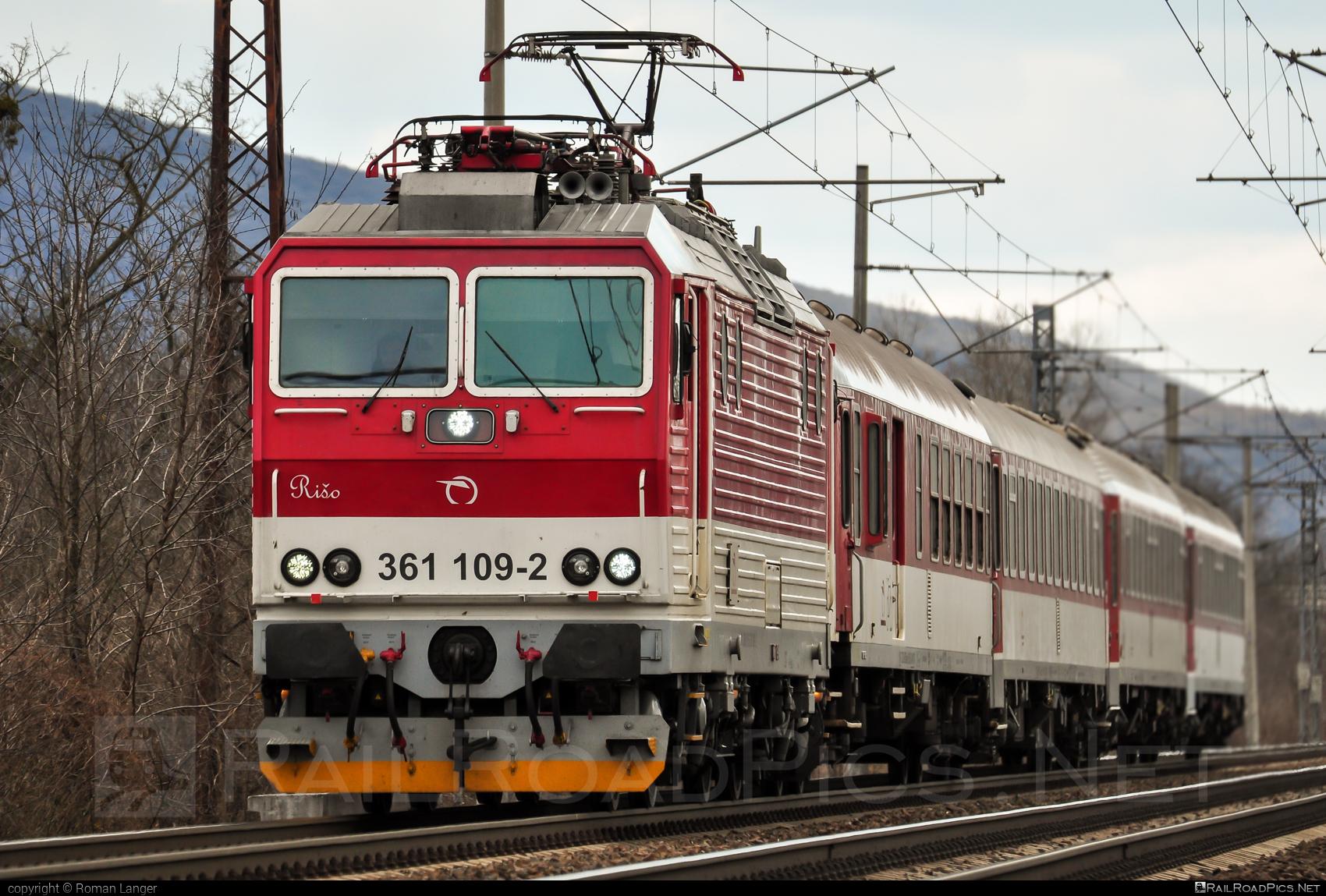 ŽOS Vrútky Class 361.1 - 361 109-2 operated by Železničná Spoločnost' Slovensko, a.s. #ZeleznicnaSpolocnostSlovensko #locomotive361 #locomotive3611 #zosvrutky #zssk