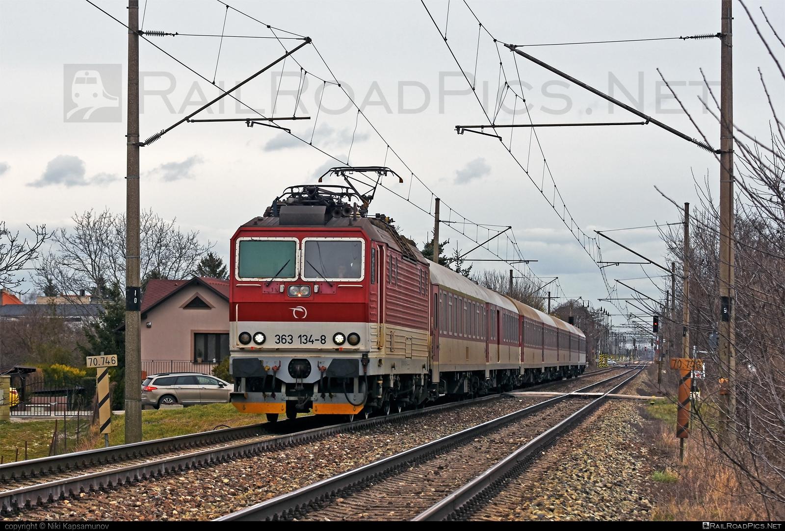 Škoda 69E - 363 134-8 operated by Železničná Spoločnost' Slovensko, a.s. #ZeleznicnaSpolocnostSlovensko #es4991 #eso #locomotive363 #skoda #skoda69e #zssk