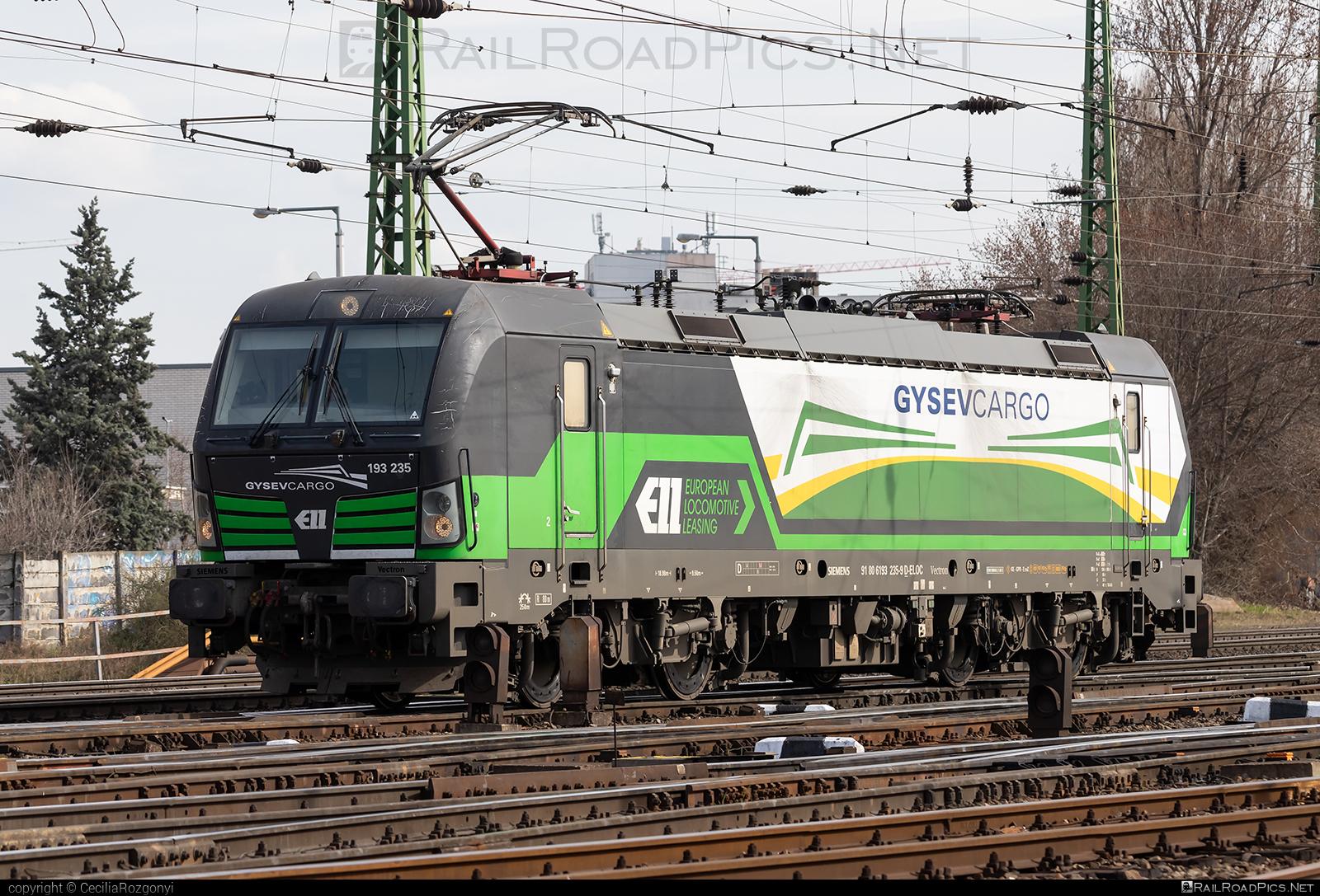 Siemens Vectron AC - 193 235 operated by GYSEV Cargo Zrt #ell #ellgermany #eloc #europeanlocomotiveleasing #gysev #gysevcargo #siemens #siemensvectron #siemensvectronac #vectron #vectronac