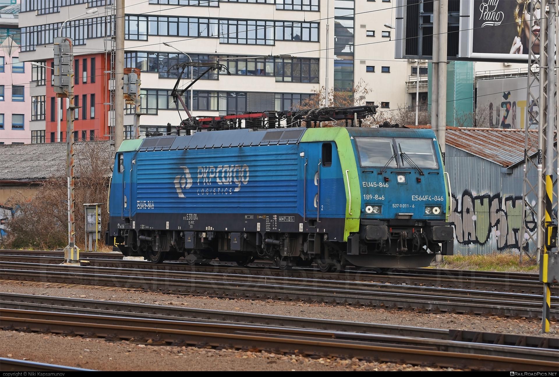 Siemens ES 64 F4 - 5370 011-6 operated by PKP CARGO Spólka Akcyjna #es64 #es64f4 #eurosprinter #pkp #pkpcargo #pkpcargospolkaakcyjna #siemens #siemenses64 #siemenses64f4