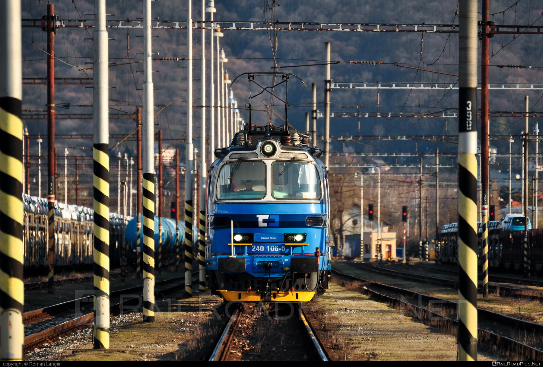 Škoda 47E - 240 106-5 operated by Železničná Spoločnost' Cargo Slovakia a.s. #ZeleznicnaSpolocnostCargoSlovakia #cdc #cdcargo #laminatka #locomotive240 #skoda #skoda47e #zsskcargo