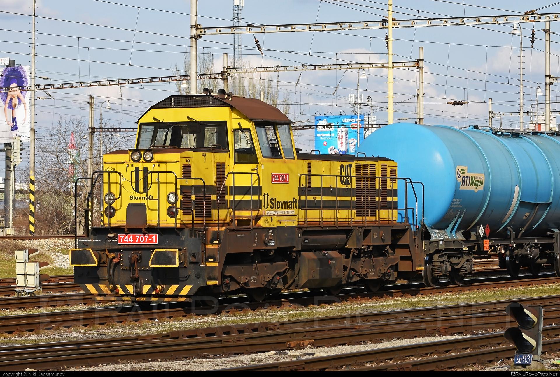 ŽOS Zvolen Class 744.7 - 744 707-1 operated by SLOVNAFT, a.s. #kesselwagen #locomotive7447 #slovnaft #tankwagon #zoszvolen #zoszvolen7447
