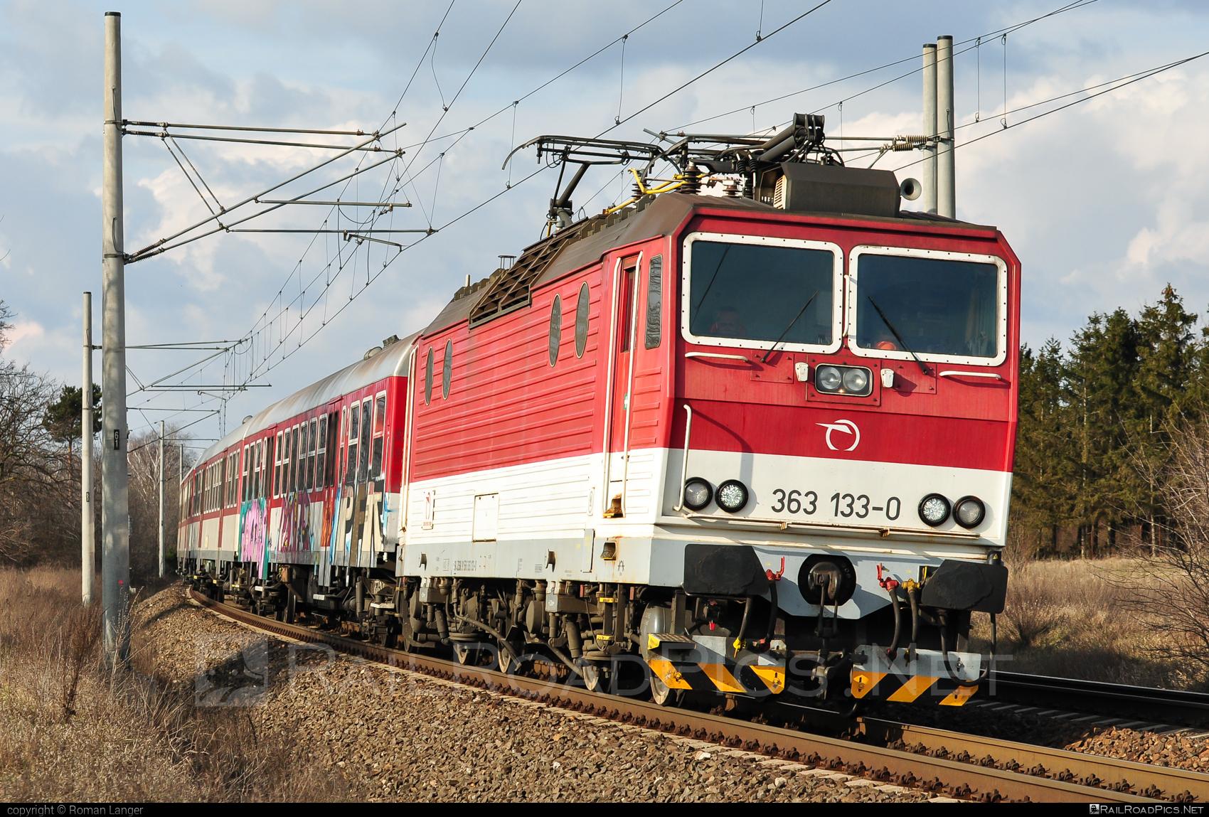 Škoda 69E - 363 133-0 operated by Železničná Spoločnost' Slovensko, a.s. #ZeleznicnaSpolocnostSlovensko #es4991 #eso #locomotive363 #skoda #skoda69e #zssk