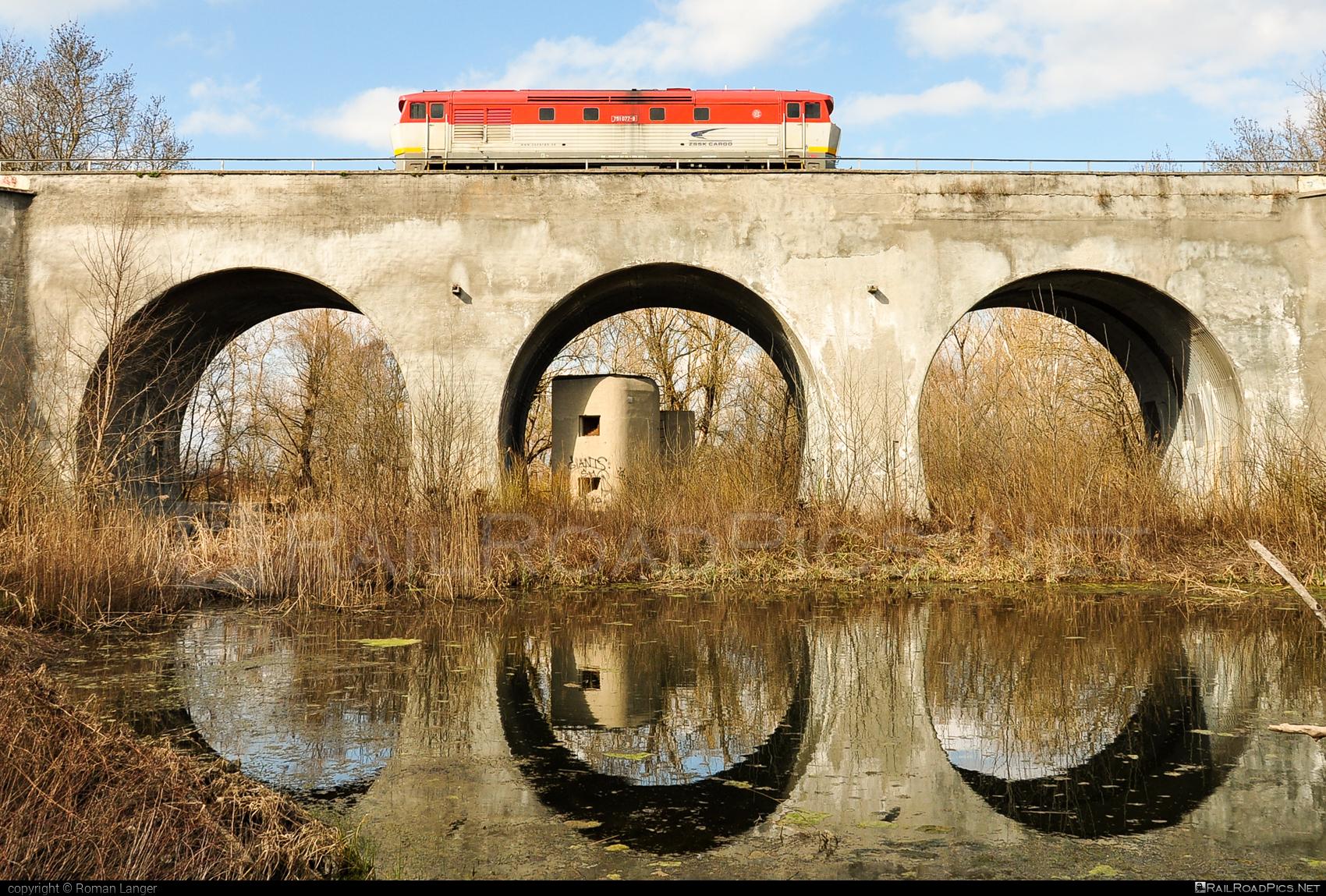ČKD T 478.1 (751) - 751 077-9 operated by Železničná Spoločnost' Cargo Slovakia a.s. #ZeleznicnaSpolocnostCargoSlovakia #bardotka #ckd #ckd4781 #ckd751 #ckdt4781 #zamracena #zsskcargo
