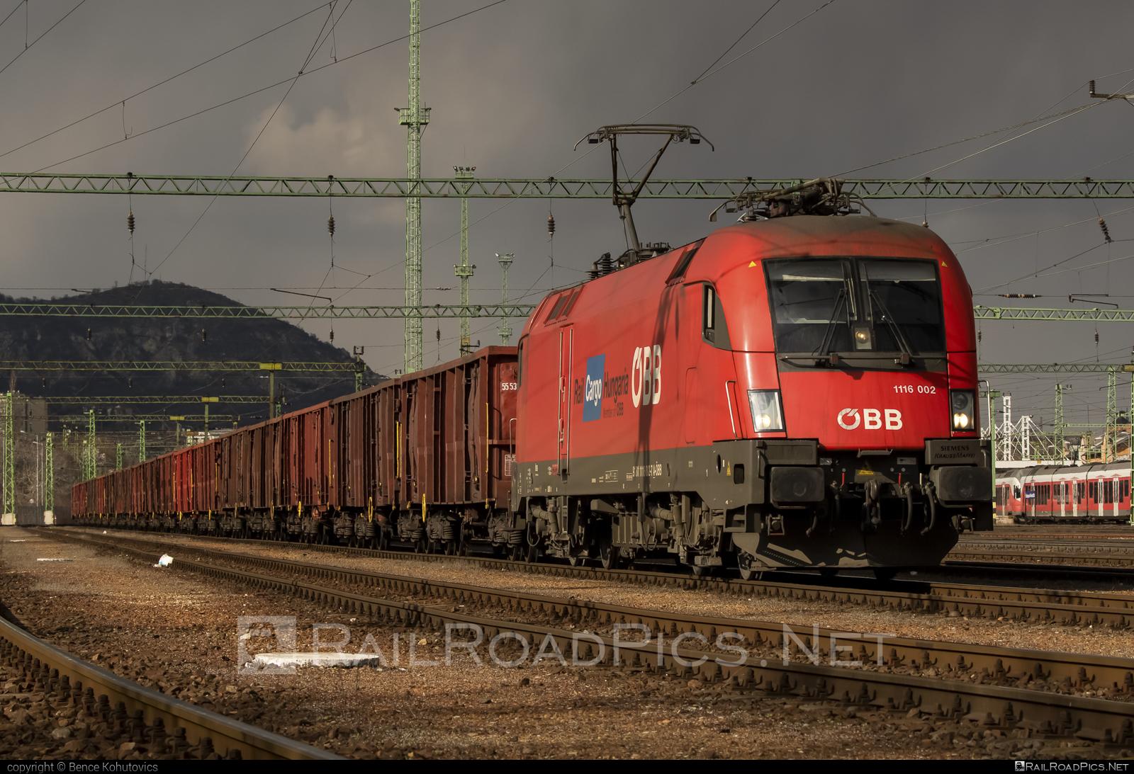 Siemens ES 64 U2 - 1116 002 operated by Rail Cargo Hungaria ZRt. #es64 #es64u #es64u2 #eurosprinter #obb #osterreichischebundesbahnen #rch #siemens #siemenses64 #siemenses64u #siemenses64u2 #siemenstaurus #taurus #tauruslocomotive