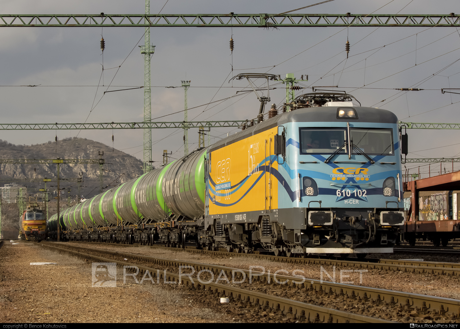 Softronic Transmontana - 610 102 operated by CER Cargo Holding SE #cer #cercargoholding #cercargoholdingse #kesselwagen #softronic #softronictransmontana #tankwagon #transmontana