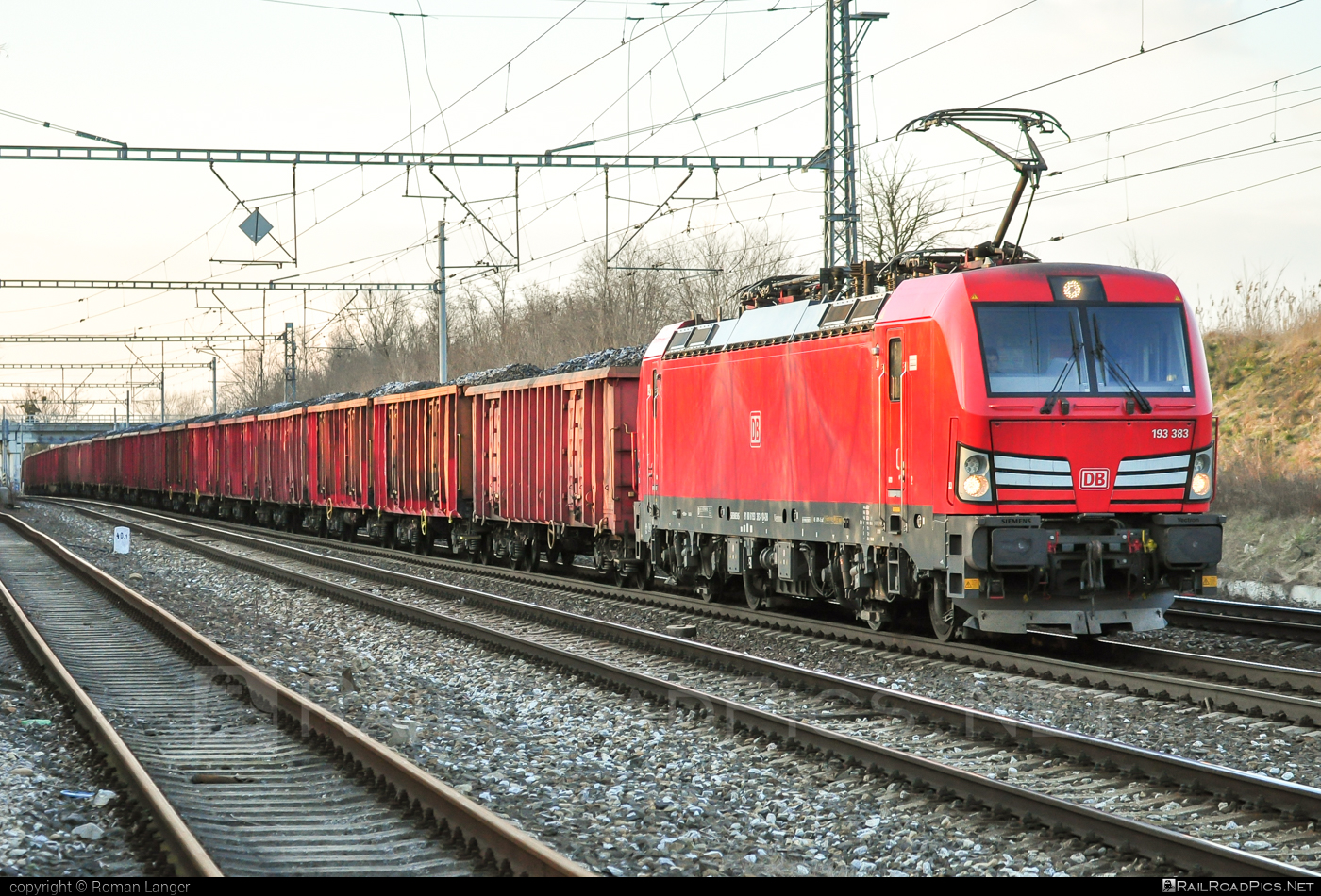Siemens Vectron MS - 193 383 operated by DB Cargo Czechia s.r.o. #db #dbcargo #dbcargoczechia #siemens #siemensvectron #siemensvectronms #vectron #vectronms