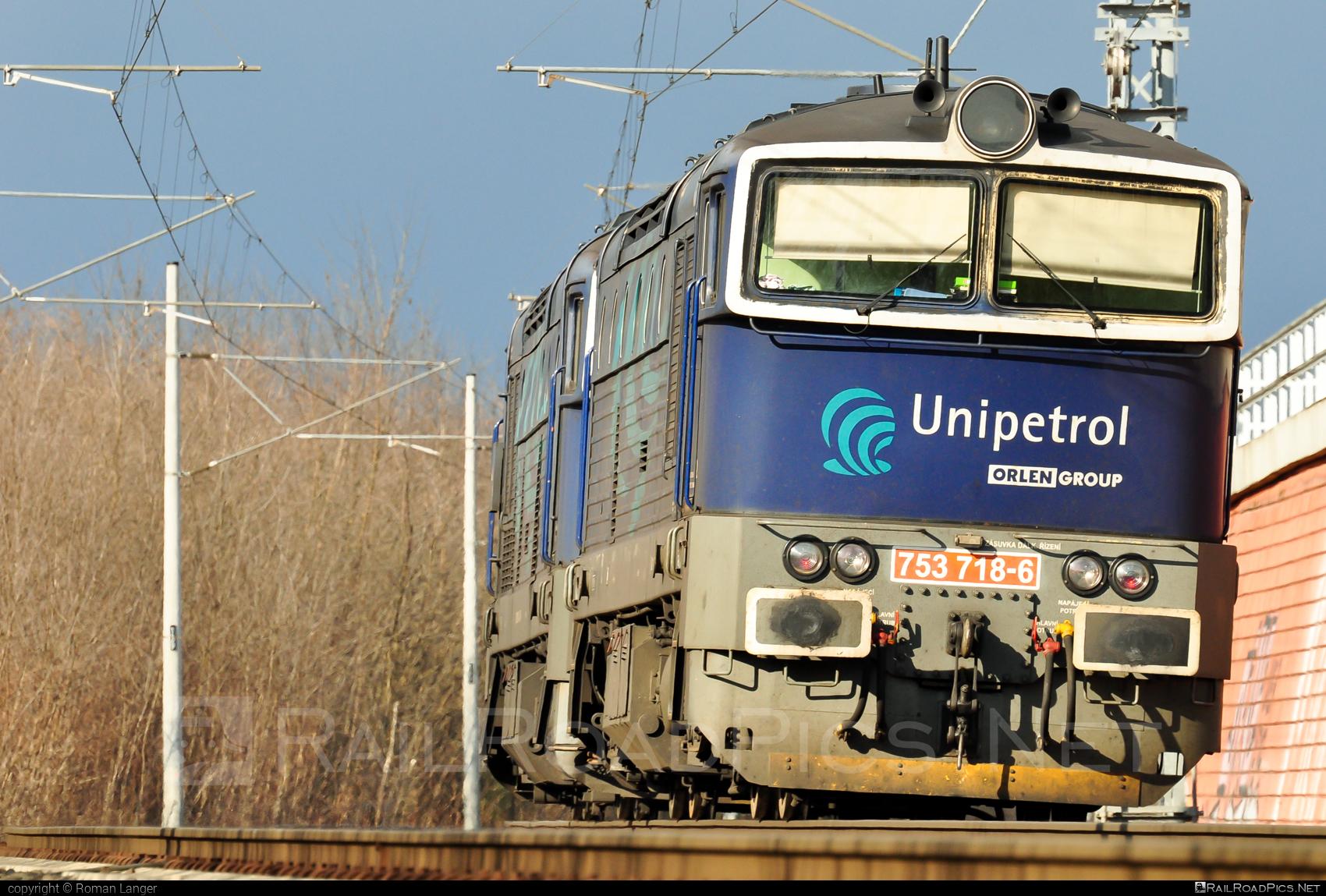 ČKD T 478.3 (753) - 753 718-6 operated by UNIPETROL DOPRAVA, a.s. #brejlovec #ckd #ckdclass753 #ckdt4783 #locomotive753 #okuliarnik