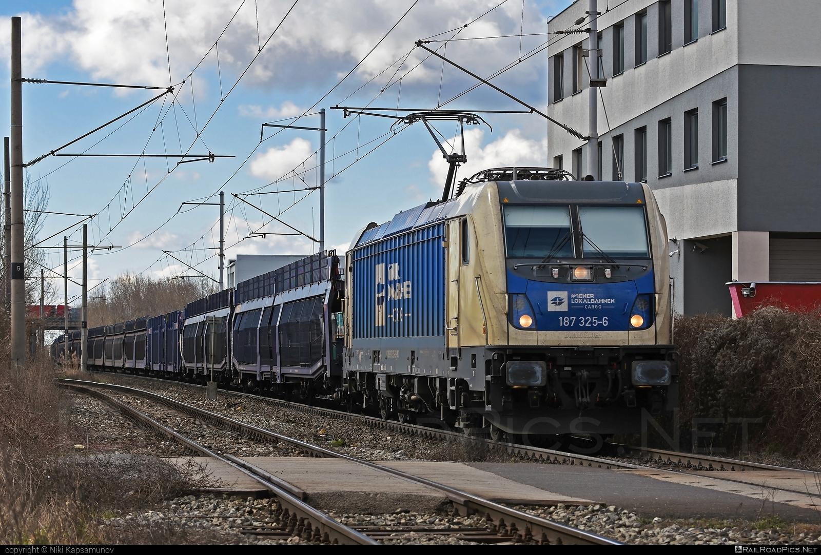 Bombardier TRAXX F160 AC3 - 187 325-6 operated by Wiener Lokalbahnen Cargo GmbH #bombardier #bombardiertraxx #carcarrierwagon #traxx #traxxf160 #traxxf160ac #traxxf160ac3 #wienerlokalbahnencargo #wienerlokalbahnencargogmbh #wlc