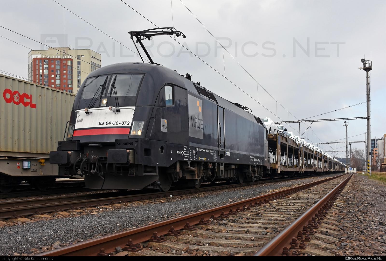 Siemens ES 64 U2 - 182 572-8 operated by ecco-rail GmbH #carcarrierwagon #dispolok #eccorail #eccorailgmbh #es64 #es64u #es64u2 #eurosprinter #mitsuirailcapitaleurope #mitsuirailcapitaleuropegmbh #mrce #siemens #siemenses64 #siemenses64u #siemenses64u2 #siemenstaurus #taurus #tauruslocomotive