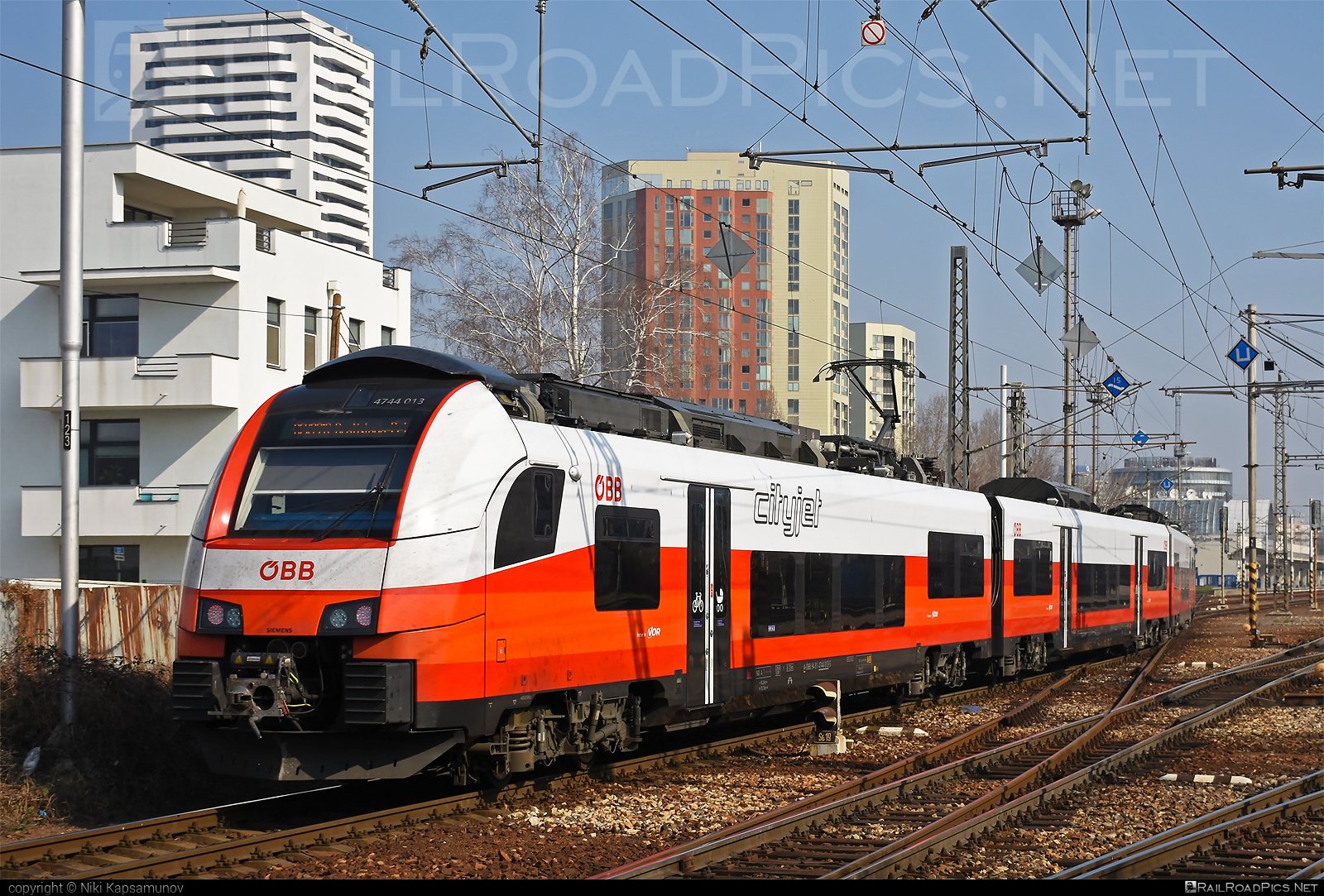 Siemens Desiro ML - 4744 013 operated by Österreichische Bundesbahnen #cityjet #desiro #desiroml #obb #obbcityjet #osterreichischebundesbahnen #siemens #siemensdesiro #siemensdesiroml