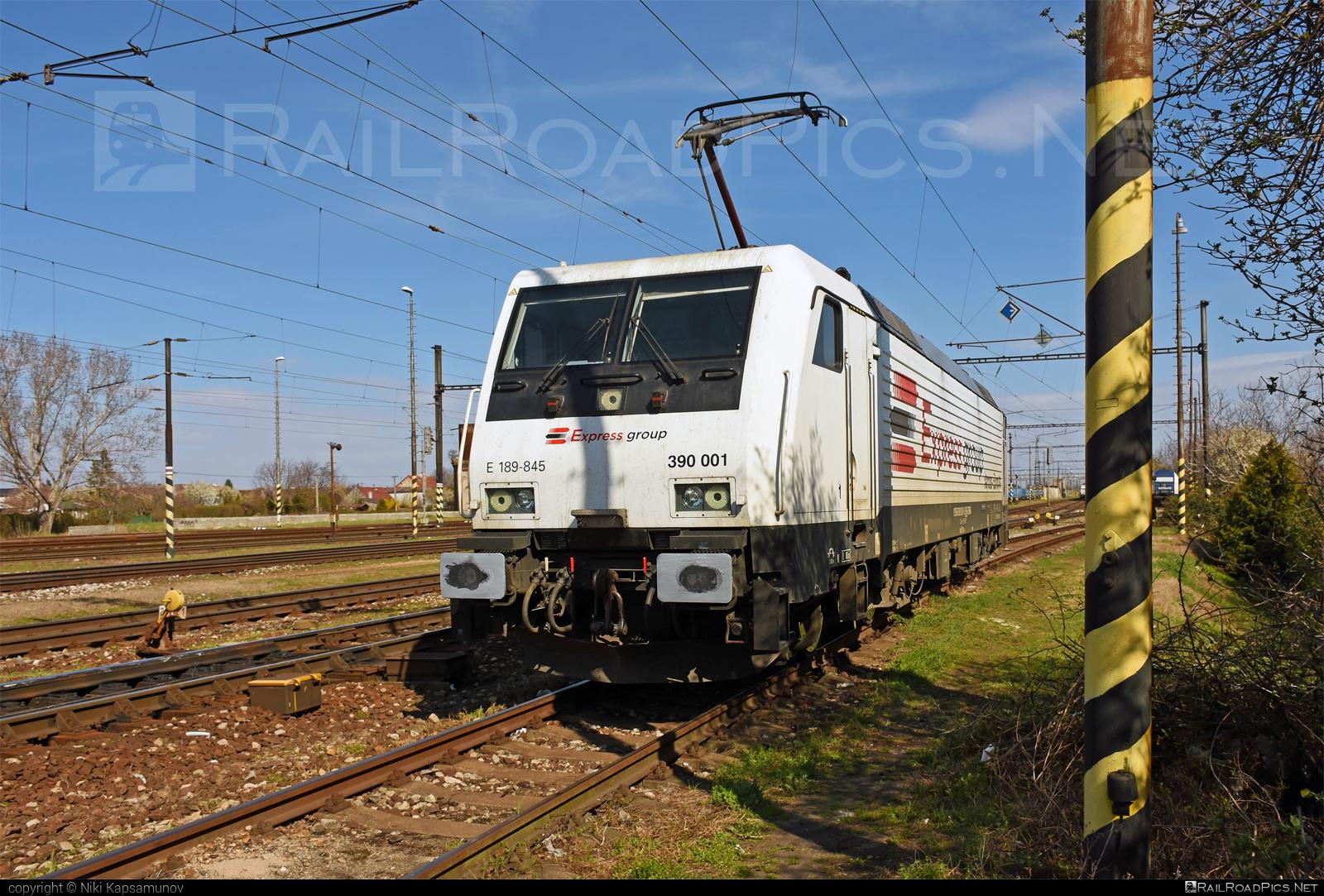 Siemens ES 64 F4 - 390 001 operated by METRANS Rail s.r.o. #ExpressWagons #ExpressWagonsAS #es64 #es64f4 #eurosprinter #expressgroup #exra #hhla #metrans #metransrail #siemens #siemenses64 #siemenses64f4